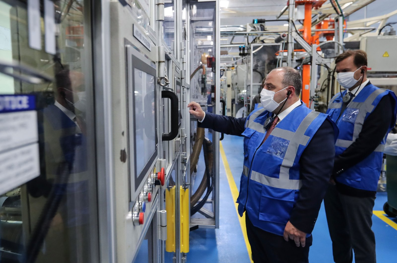 Turkish Industry and Technology Minister Mustafa Varank seen during his visit to cleaning and personal care products company P&G, which has important R&D projects, northwestern Gebze, Turkey, Sept. 11, 2020. (Industry and Technology Ministry via AA )