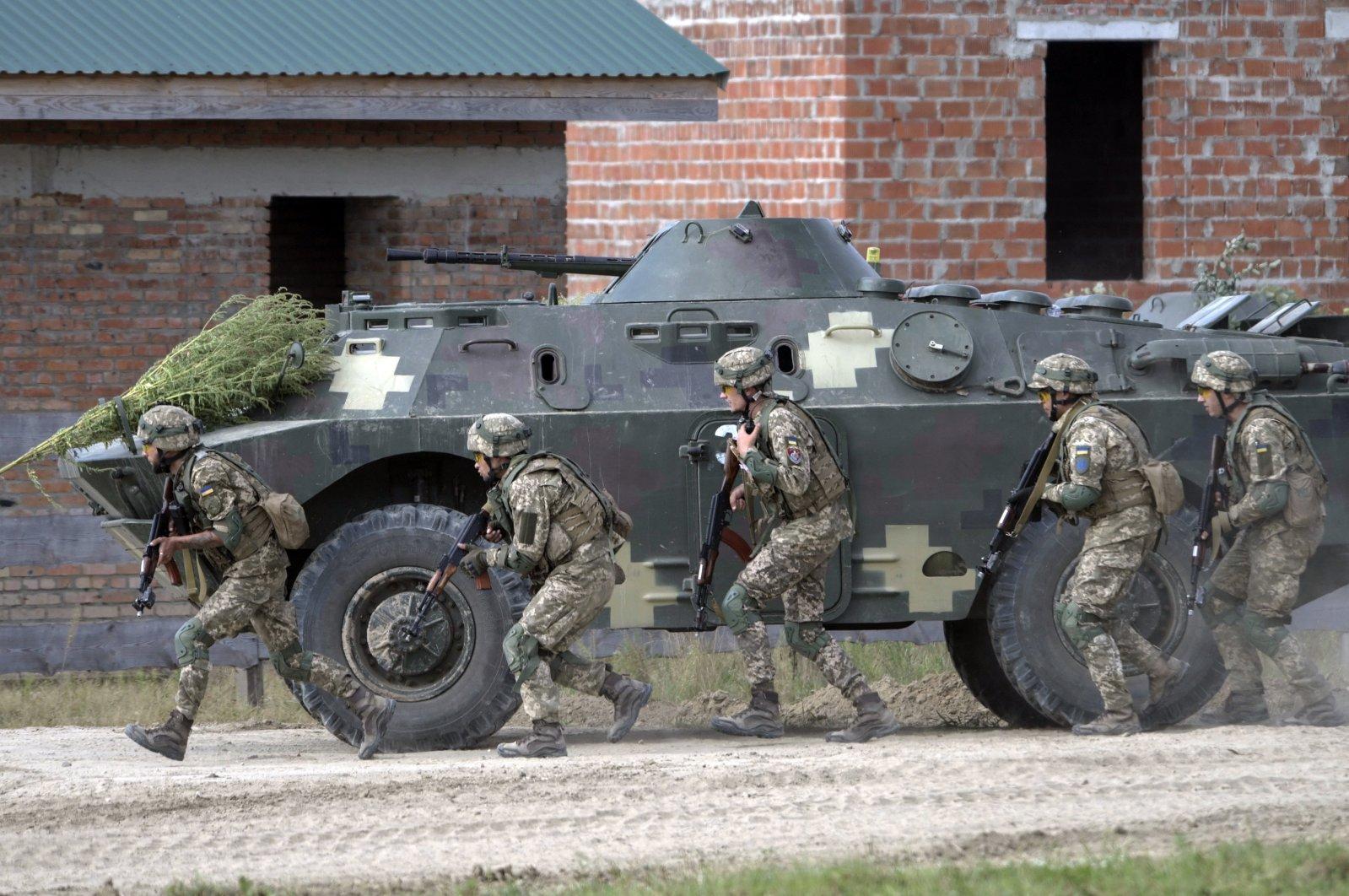 Ukrainian soldiers attend the joint military exercises in Yavoriv training ground, near the western Ukrainian city of Lviv, Ukraine, Sept. 17, 2020. (EPA Photo)