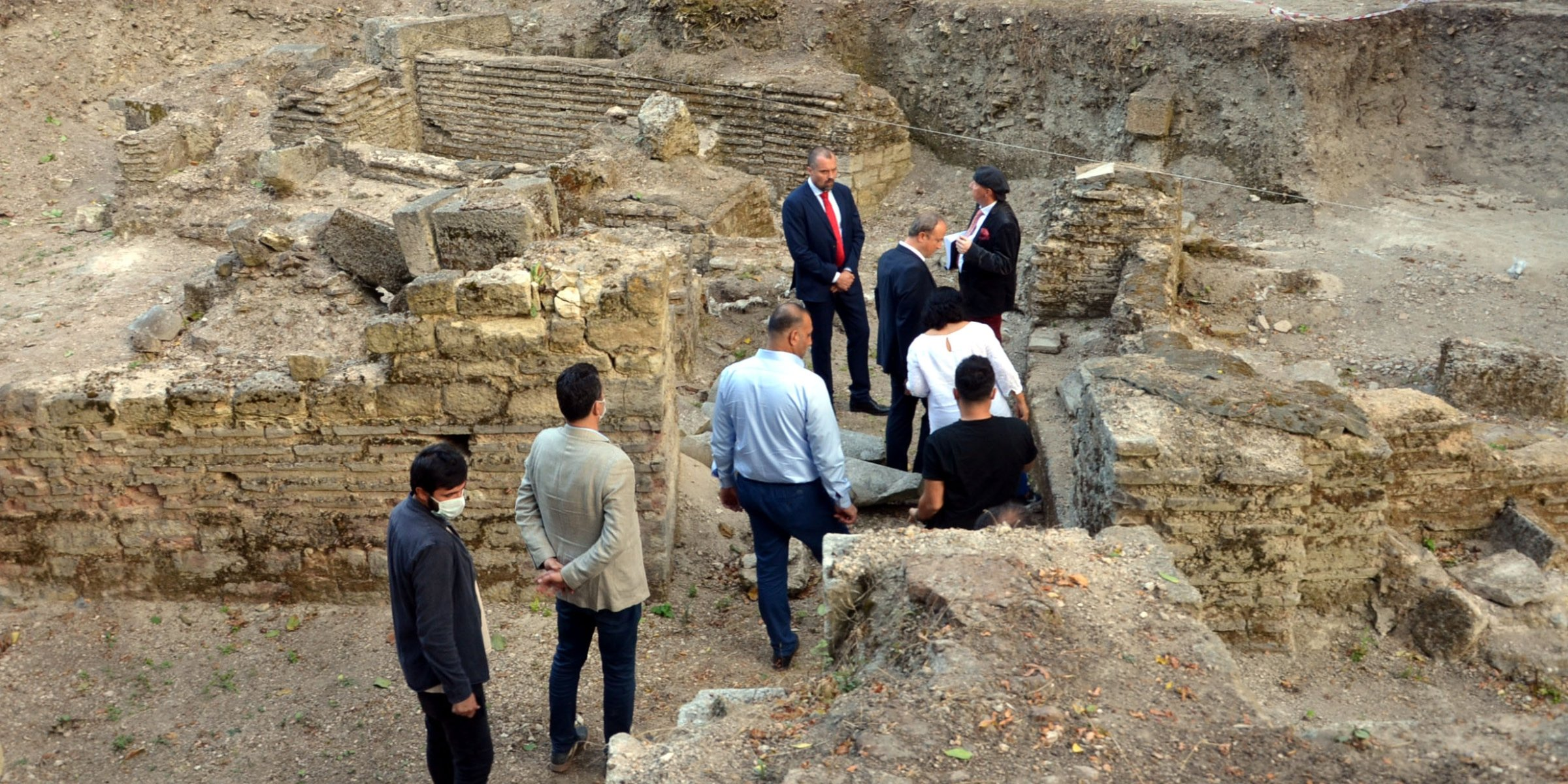 Polish envoy visits archaeological site revealing Vikings' presence in Istanbul