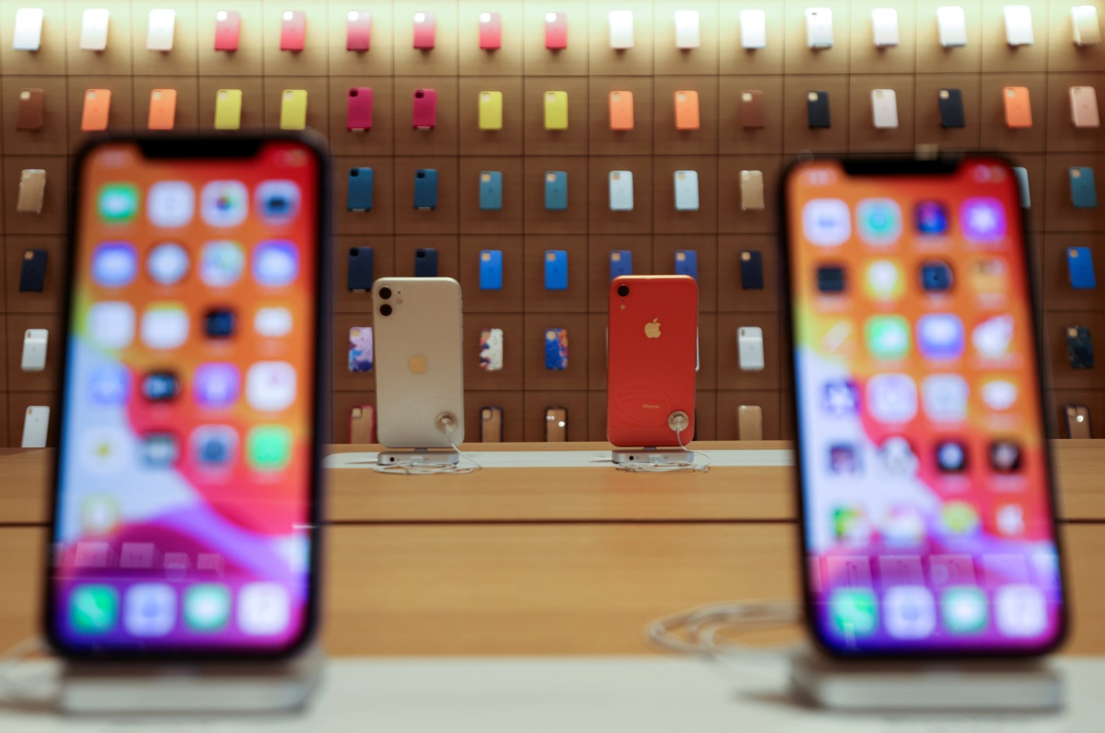 iPhones are displayed at the upcoming Apple Marina Bay Sands store in Singapore, Sept. 8, 2020. (Reuters Photo)