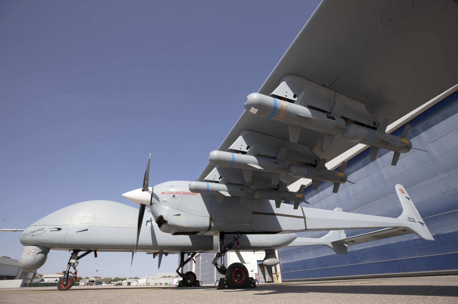 The Aksungur UAV loaded with 12 MAM-L smart ammunitions, Ankara, Turkey, Sept. 17, 2020. (Photo by TAI via AA)