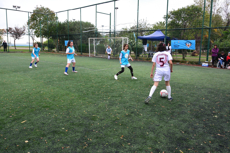 Girls play a football match organized by Kızlar Sahada in Istanbul, Turkey, Oct. 5, 2019. (Photo by Kızlar Sahada)