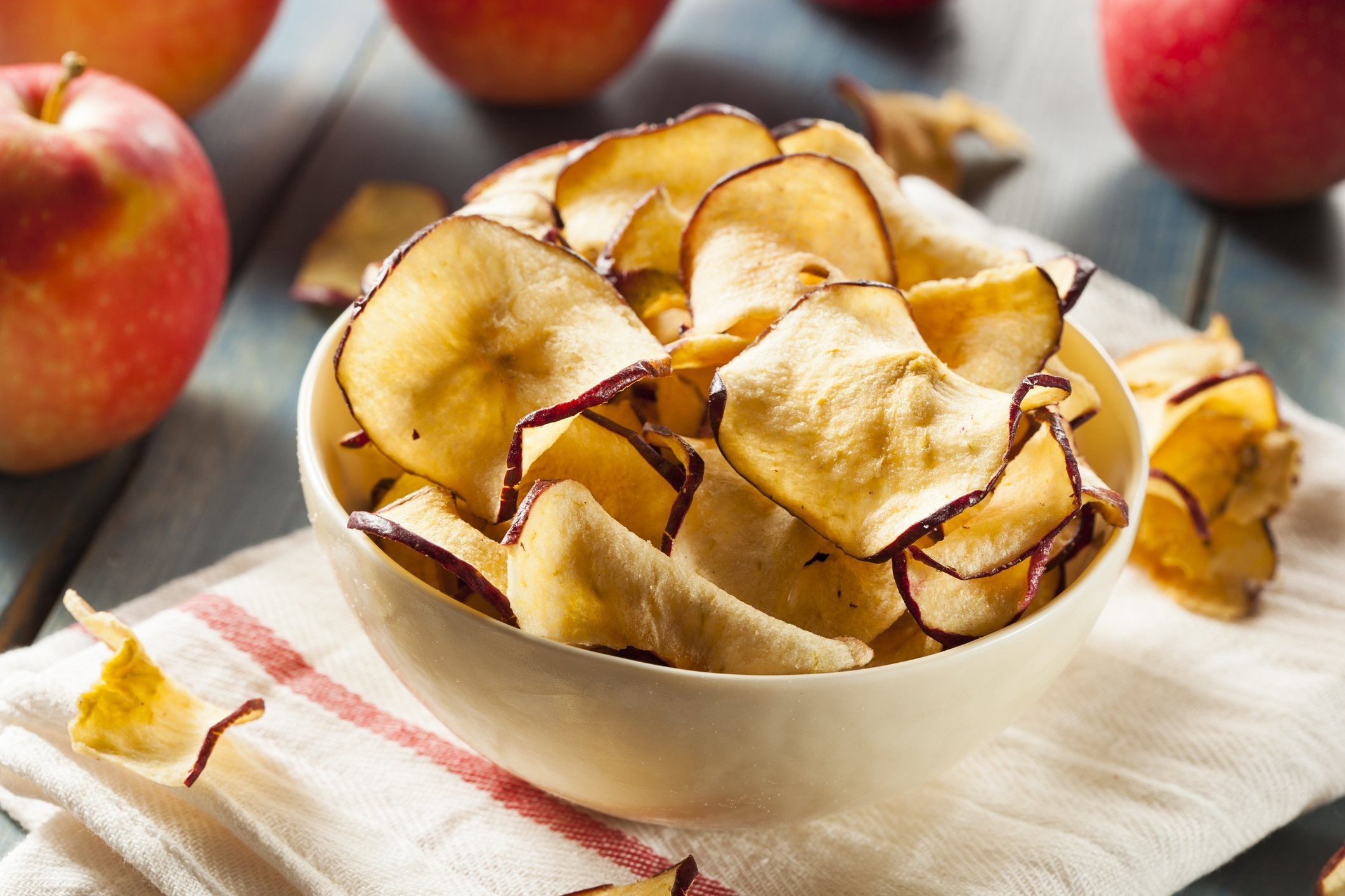 Baked or dehydrated apple chips are a great and healthy snack. (iStock Photo)