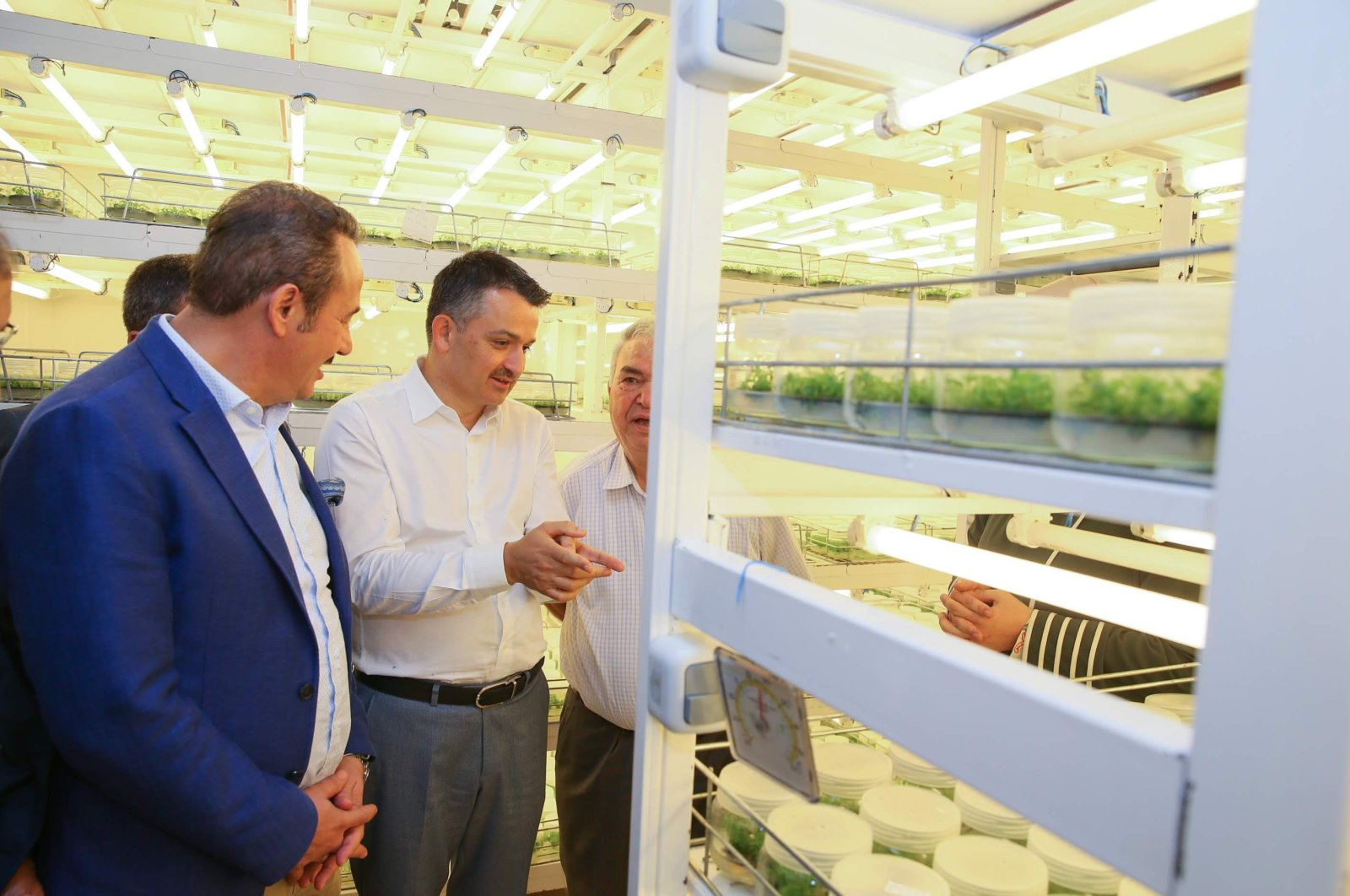 Agriculture and Forestry Minister Bekir Pakdemirli visits the Bademli Arboriculture Cooperative Tissue Culture Laboratory in the Ödemiş district of Izmir province, western Turkey, Sept. 20, 2020 (AA Photo)