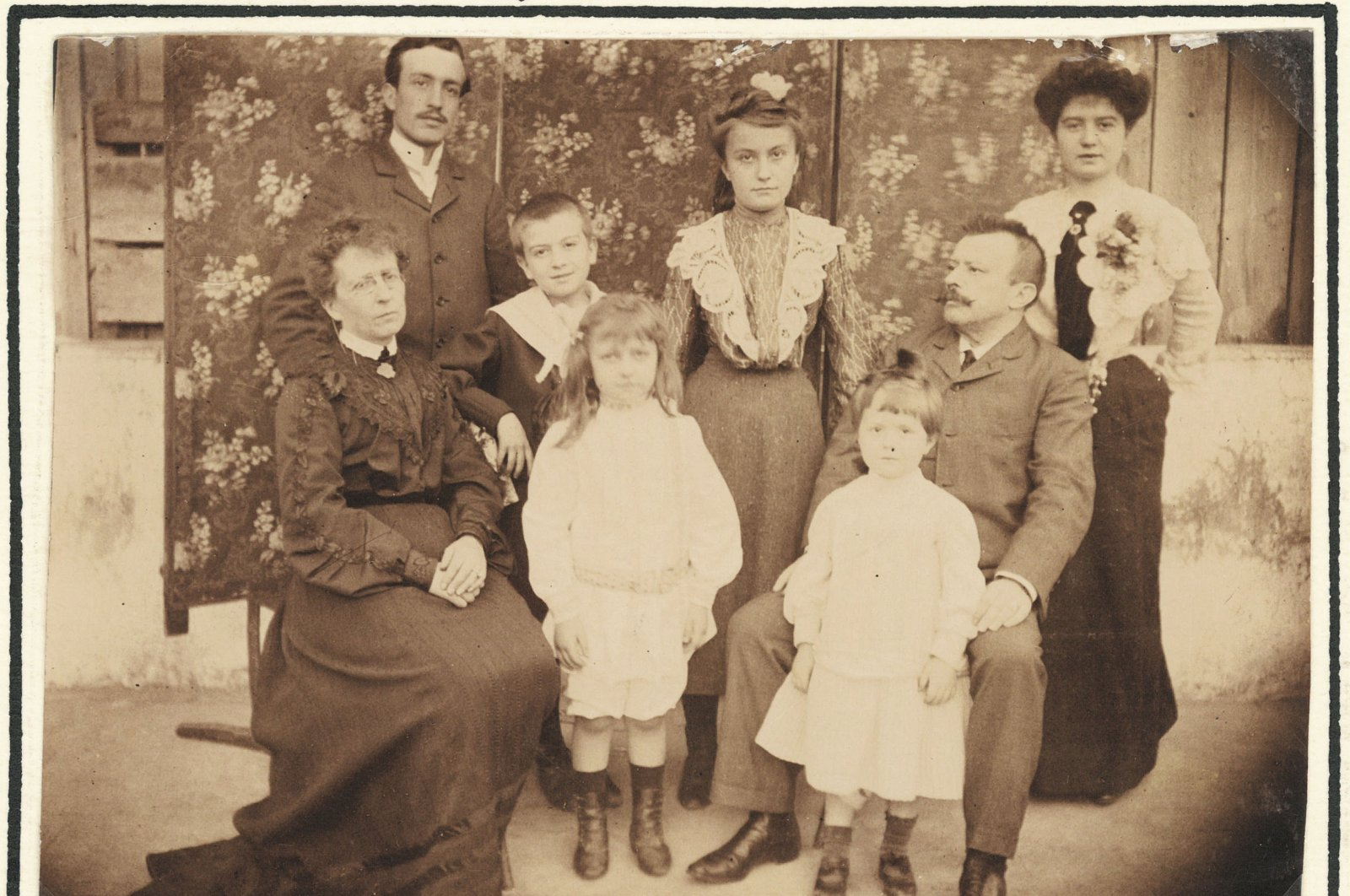 The Köpe family, the Vilayet of Salonica, 1903. Antoine Köpe Archive. (Courtesy of SALT Beyoğlu)