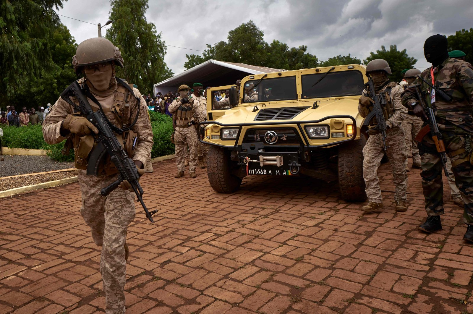 The armored vehicle of Col. Assimi Goita (C) arrives at the funeral of former Mali President Gen. Moussa Traore in Bamako, Mali, Sept. 18, 2020. (AFP Photo)
