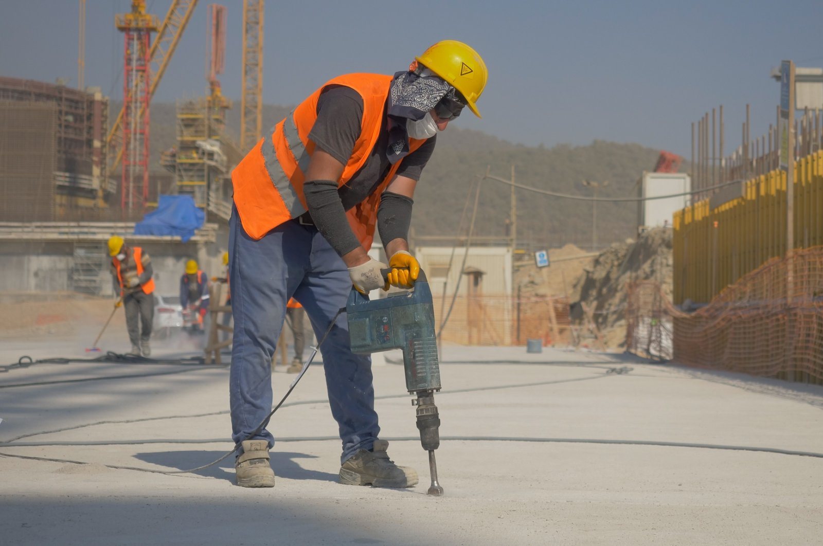 A staff member works on the ground at the Akkuyu NPP site in Mersin, southern Turkey, Sept. 22, 2020. (Photo by Akkuyu Nuclear Inc. via AA)
