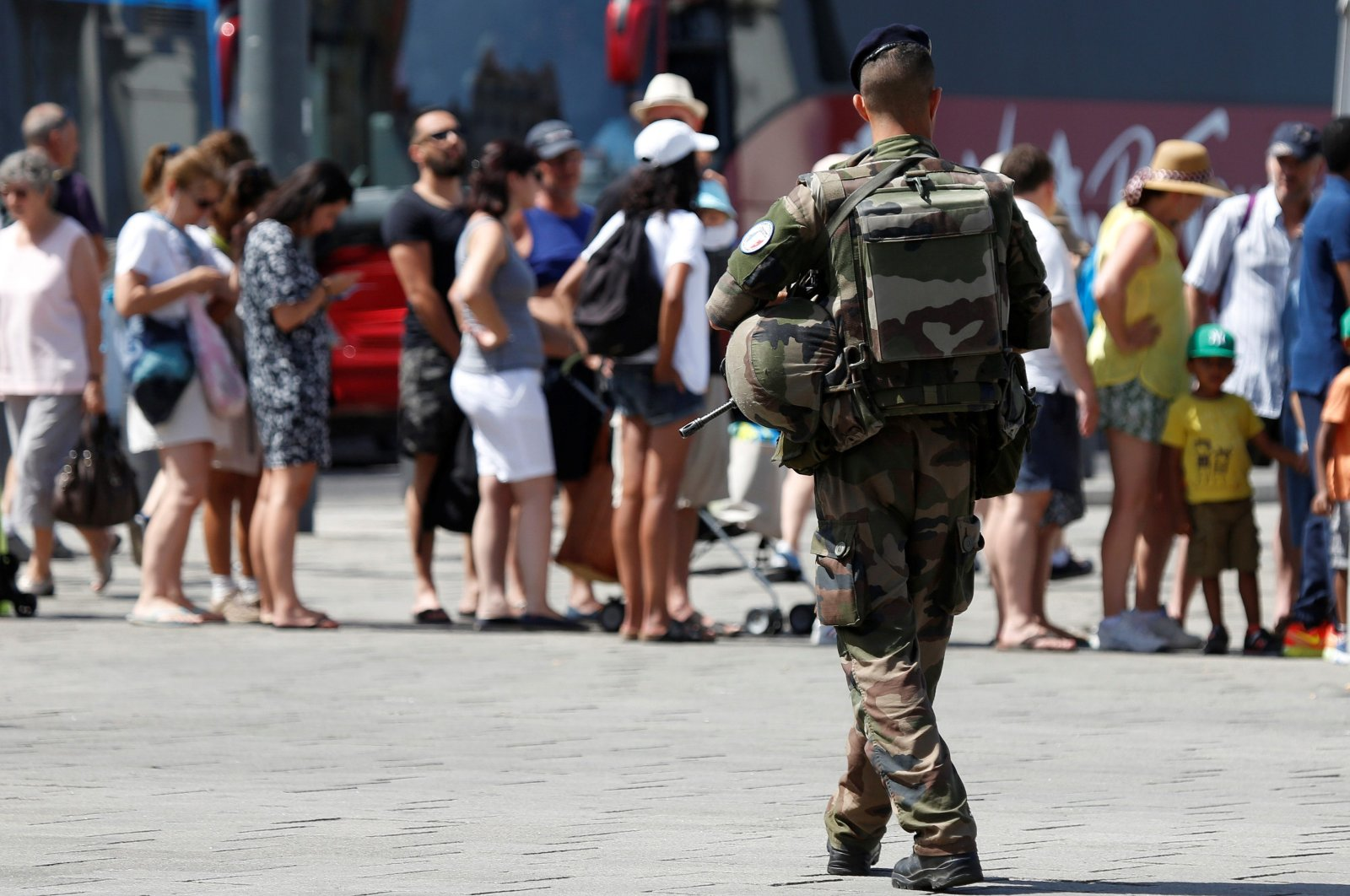 A French soldier patrols at the Old Harbor in Marseille to maintain security after French lawmakers approved a six-month extension of emergency rule within France, July 21, 2016. (Reuters Photo)