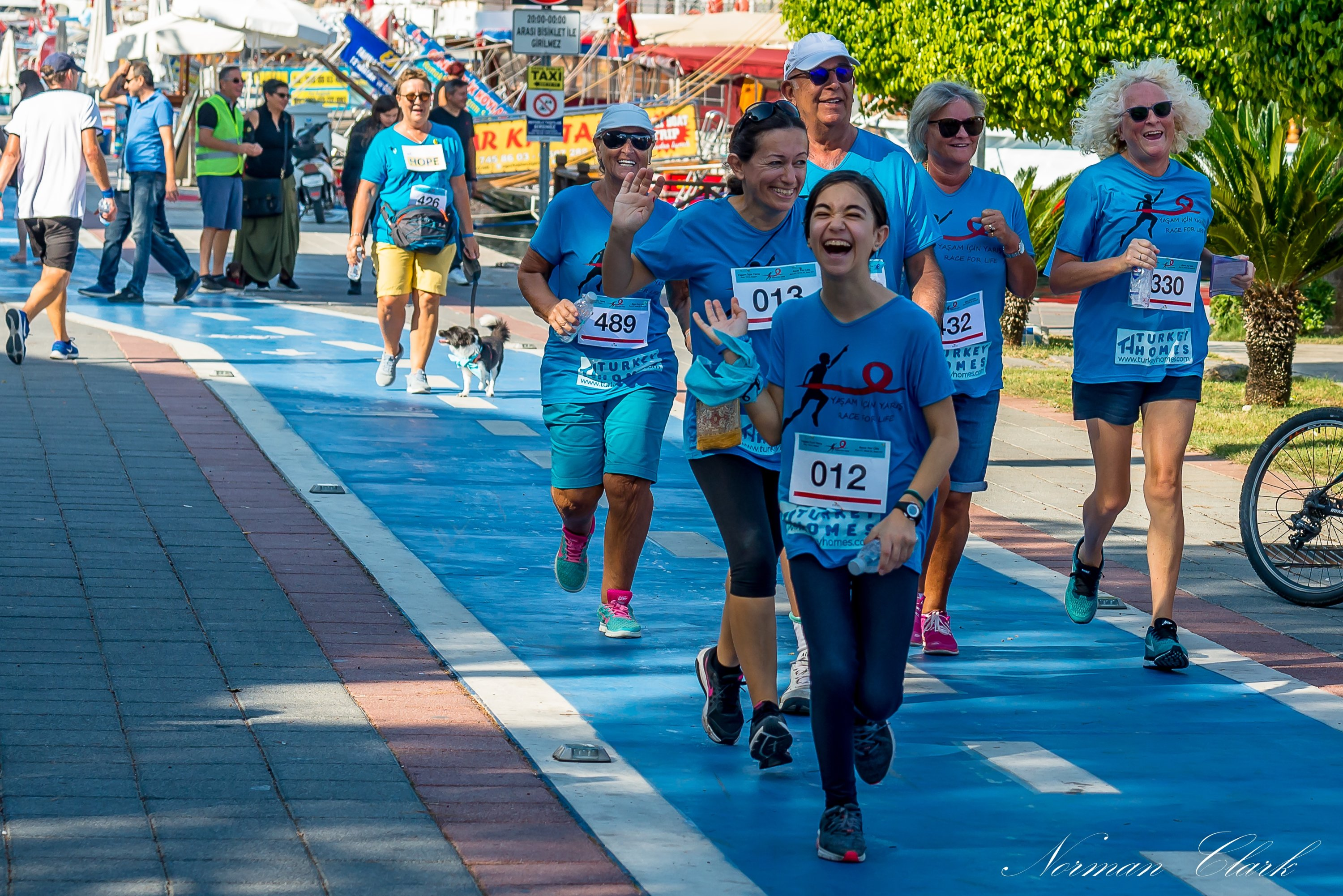 People run as part of the charity run Race for Life to benefit cancer patients in Fethiye, southwestern Turkey, October 2019. (Courtesy of Race For Life)