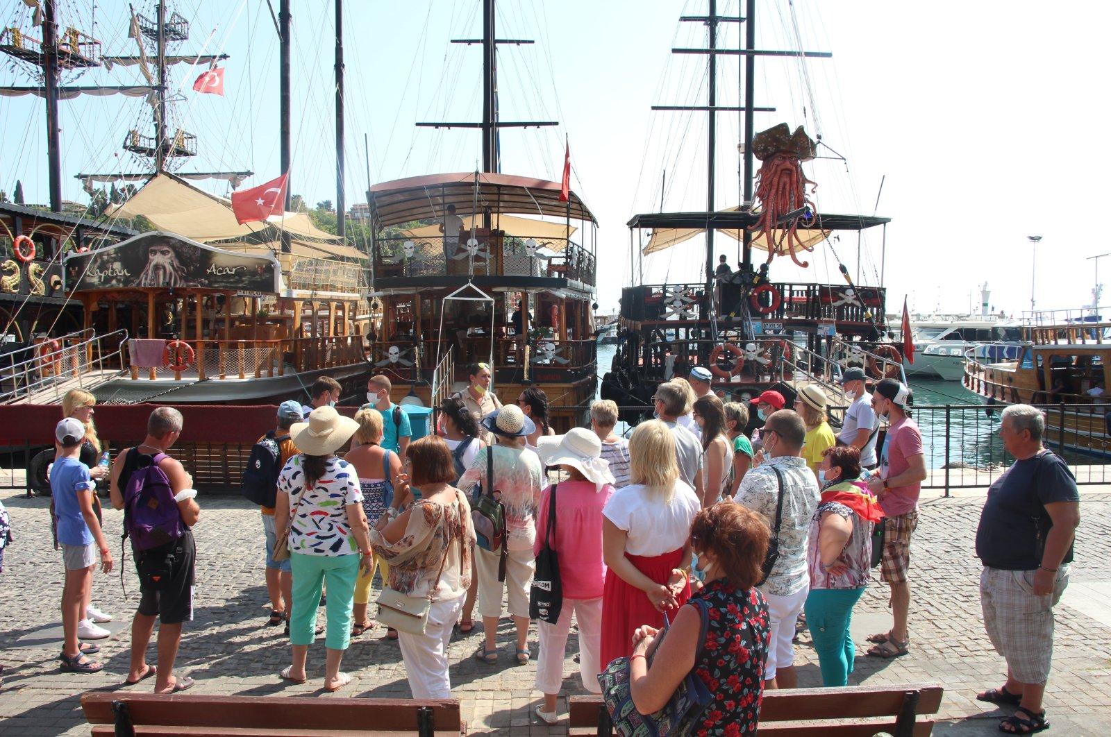 A tourist group tours the shores of Antalya, southern Turkey, Sept. 24, 2020. (AA Photo)