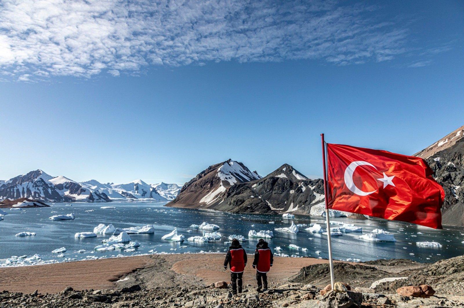 "Still shot from the documentary ""The Black Box of the Planet: Antarctica."" (İHA Photo)"