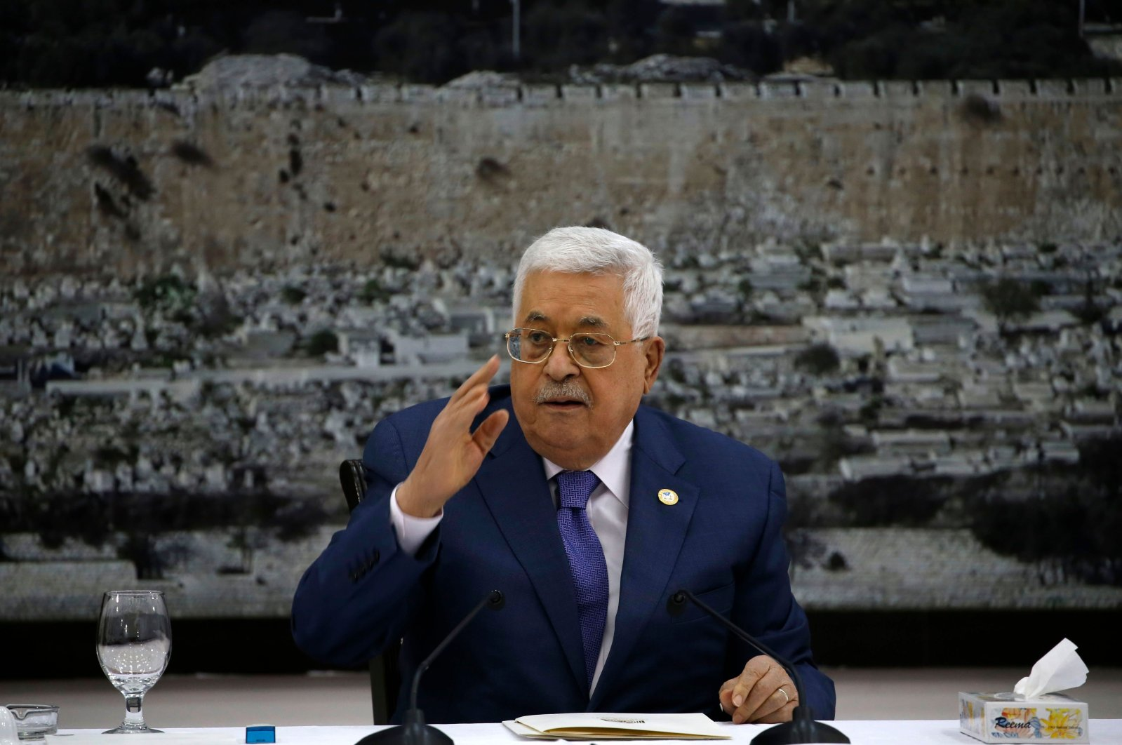 Palestinian President Mahmoud Abbas attends a meeting with the Palestinian leadership at the presidential compound in the West Bank city of Ramallah, Palestine, July 25, 2109. (AFP Photo)
