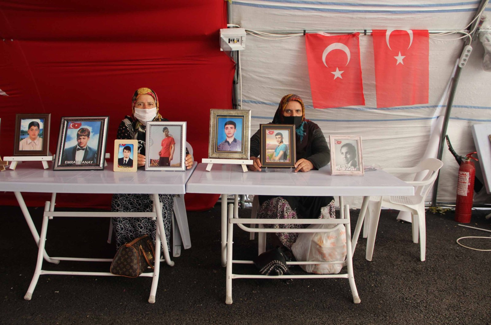 Diyarbakır families have been protesting the PKK terrorist group for 392 days in front of the pro-PKK Peoples' Democratic Party (HDP) provincial headquarters in Diyarbakır, Turkey, Sept. 28, 2020. (DHA Photo)