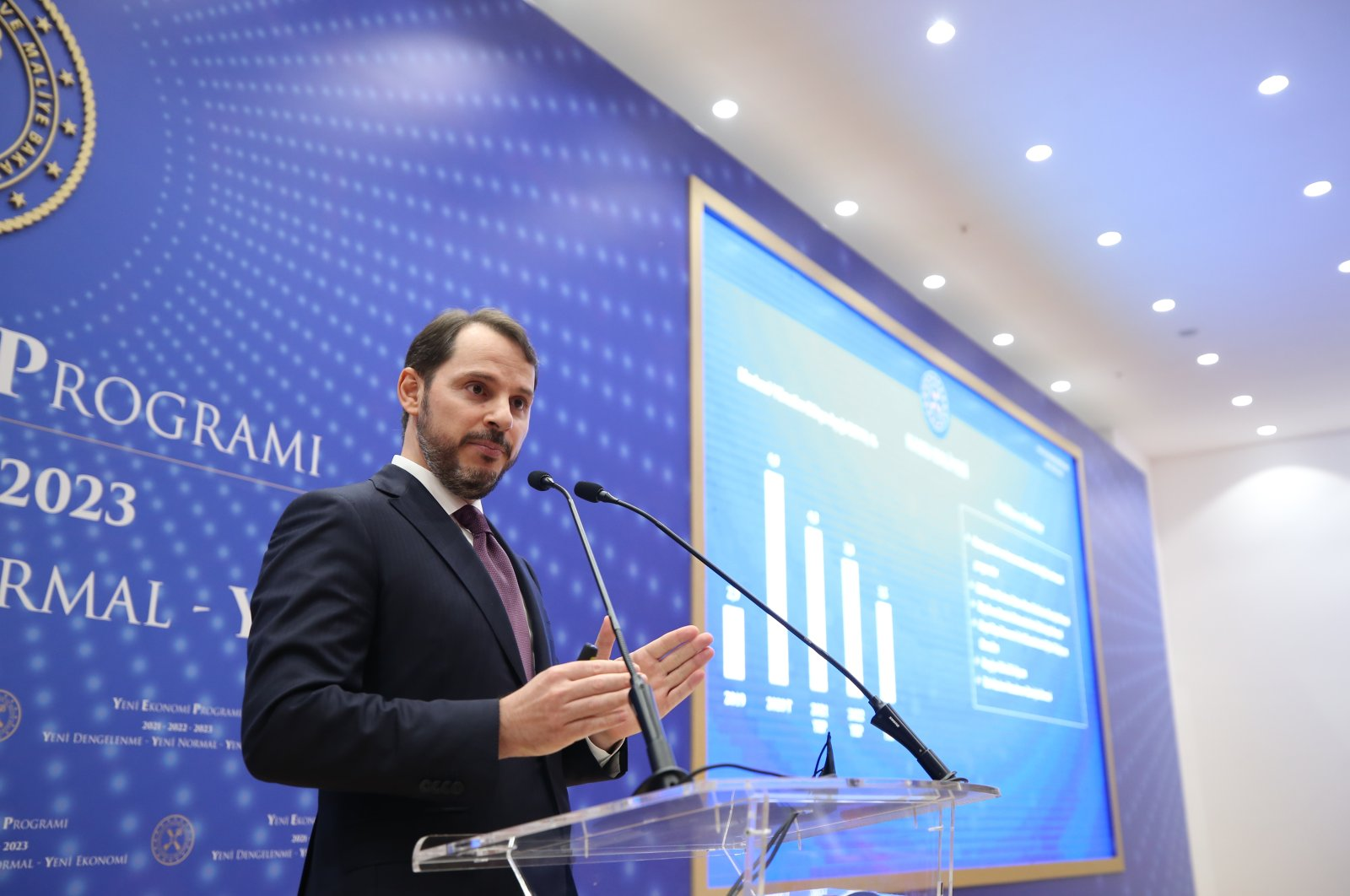 Treasury and Finance Minister Berat Albayrak speaks during the announcement of Turkey's New Economic Program (NEP) for the 2021-2023 period, Istanbul, Sept. 29, 2020. (Treasury and Finance Ministry via AA)