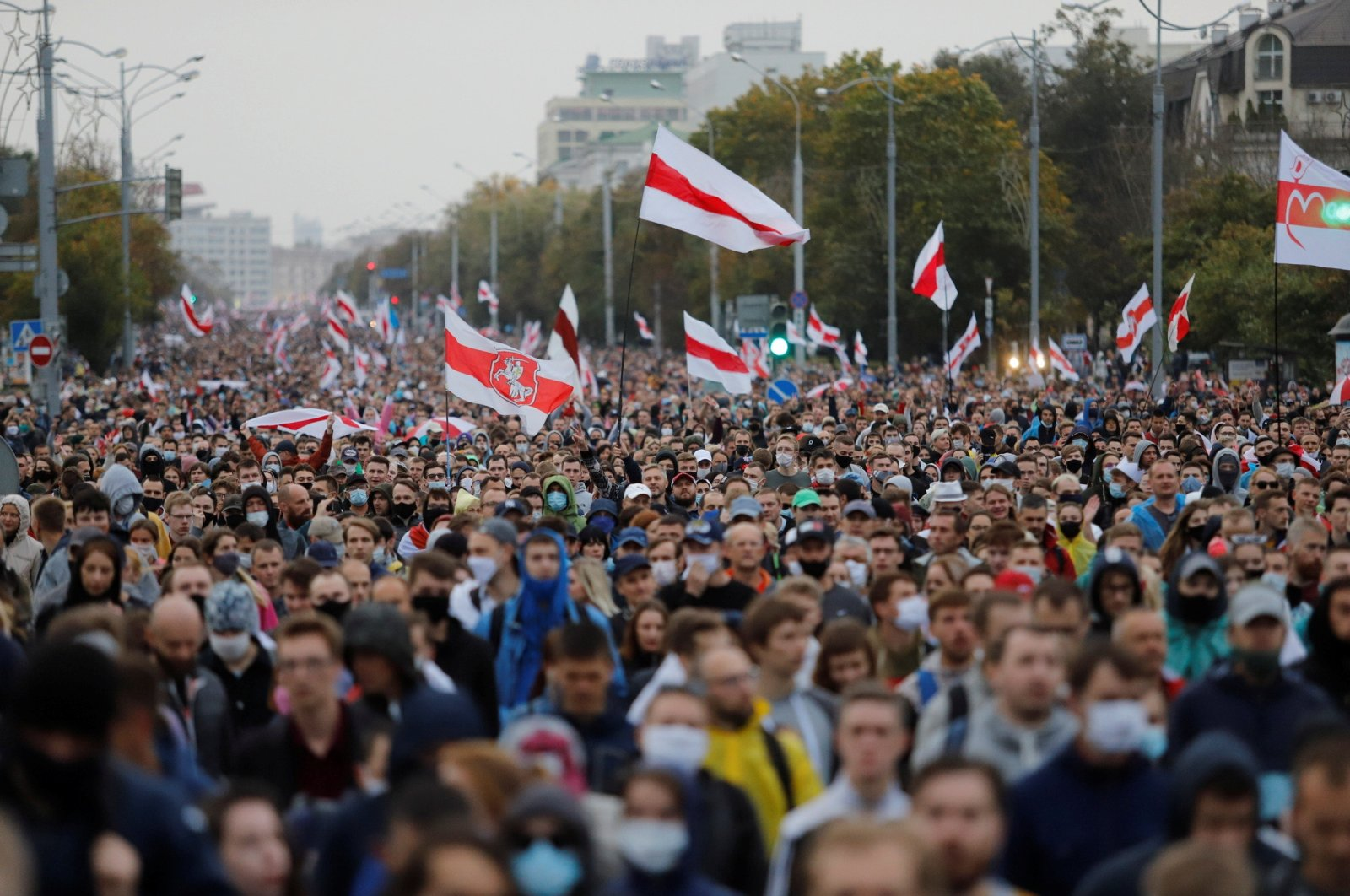 People attend an opposition rally to reject the presidential election results and to protest against the inauguration of Belarusian President Alexander Lukashenko in Minsk, Belarus, Sept. 27, 2020. (Reuters Photo)