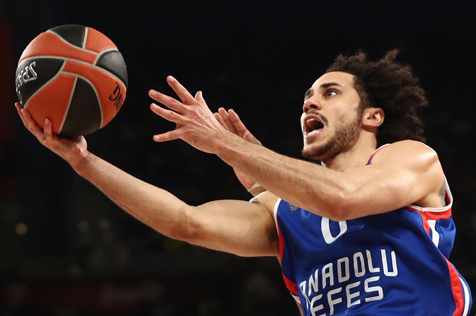 Anadolu Efes' Shane Larkin in action during a EuroLeague Final Four match, Vitoria-Gasteiz, Spain, May 19, 2019. (Reuters Photo)