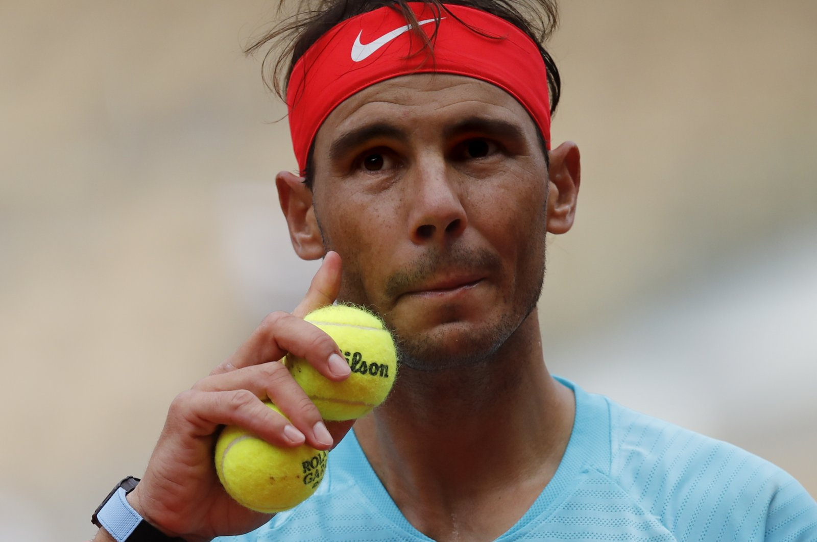 Rafael Nadal prepares to serve against Mackenzie McDonald during a French Open tennis match in Paris, France, Sept. 30, 2020. (AFP Photo)