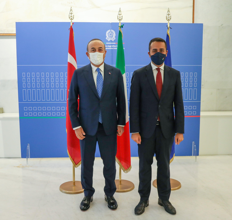 Foreign Minister Mevlüt Çavuşoğlu (L) together with his Italian counterpart Luigi Di Maio in Rome, Oct. 2, 2020. (AA)