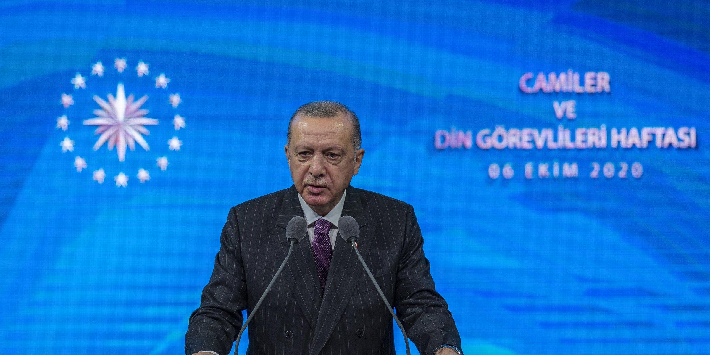 Macron's remarks on Islam 'provocation', Erdoğan says | Daily Sabah