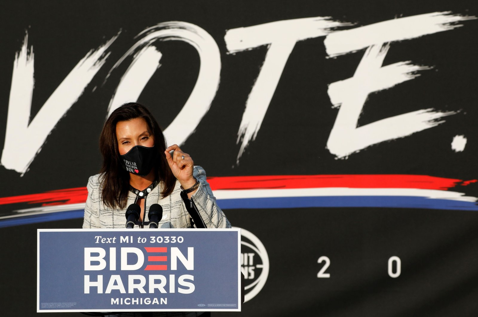 Michigan Gov. Gretchen Whitmer speaks before Democratic vice presidential nominee Kamala Harris at the Detroit Pistons Practice Facility in Detroit, Michigan, U.S., Sept. 22, 2020. (AFP Photo)
