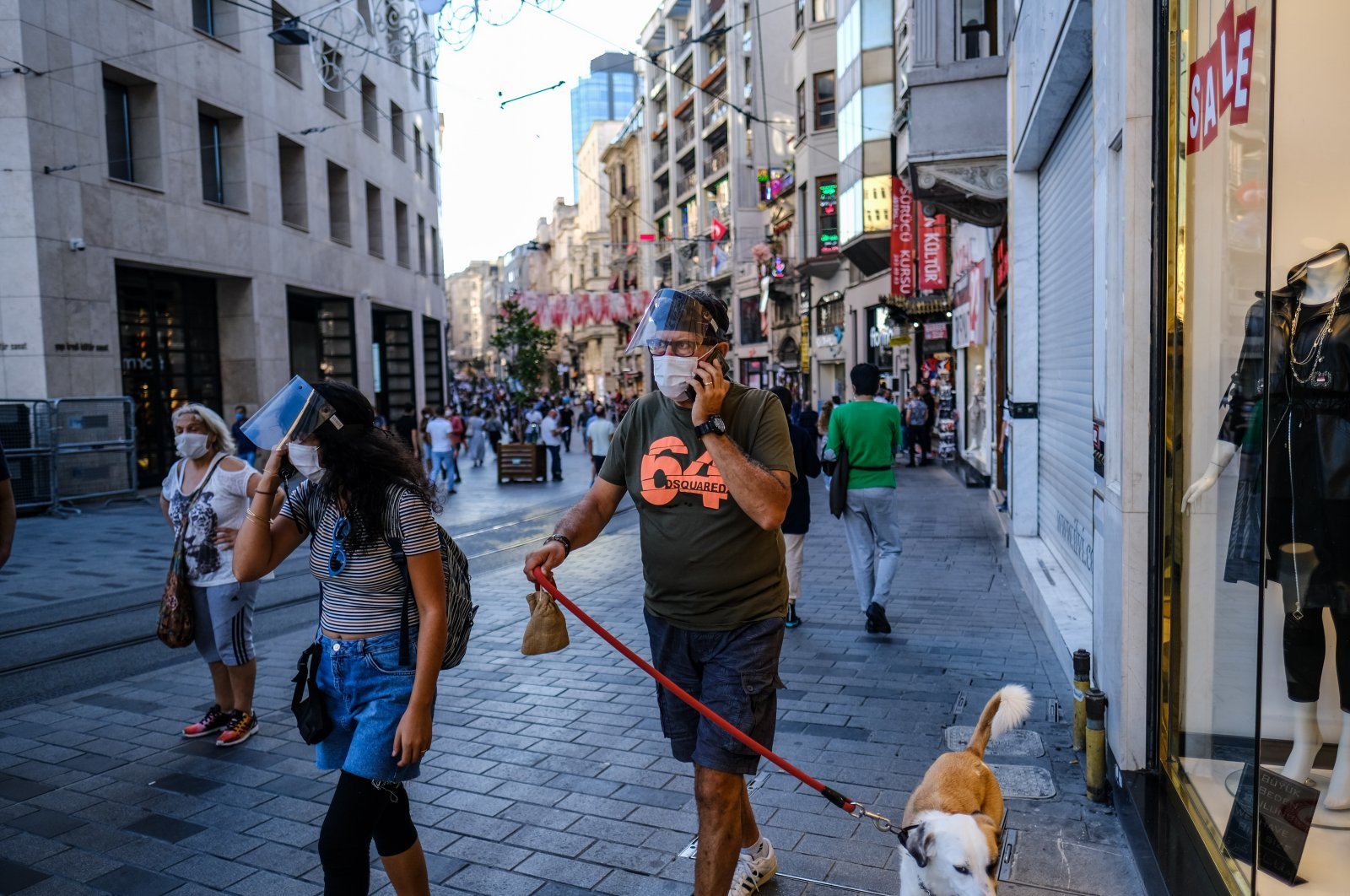 People with face masks walk on Istiklal Street in Istanbul, Turkey, Oct. 2, 2020. (Reuters Photo)