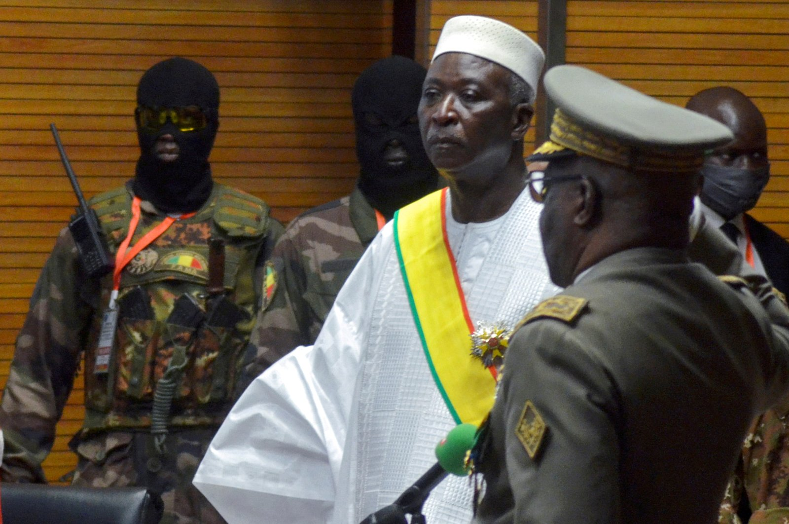 The new interim president of Mali, Bah N'Daw, is sworn in during the inauguration ceremony in Bamako, Mali, Sept. 25, 2020. (Reuters Photo)