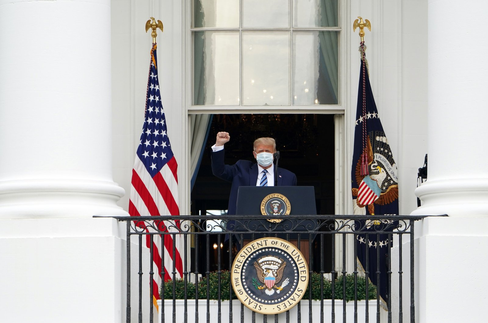 U.S. President Donald Trump arrives to speak about law and order from the South Portico of the White House, Washington, D.C., Oct. 10, 2020. (AFP Photo)