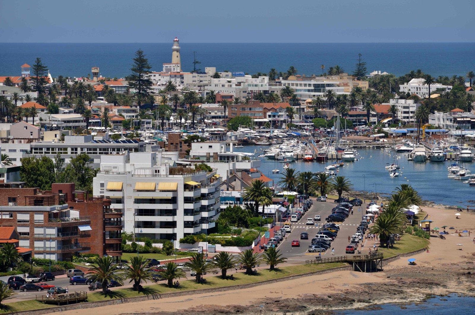 A view of the Uruguayan seaside resort of Punta del Este, 135 kilometers east of the capital Montevideo, Jan. 15, 2014. (AFP Photo)