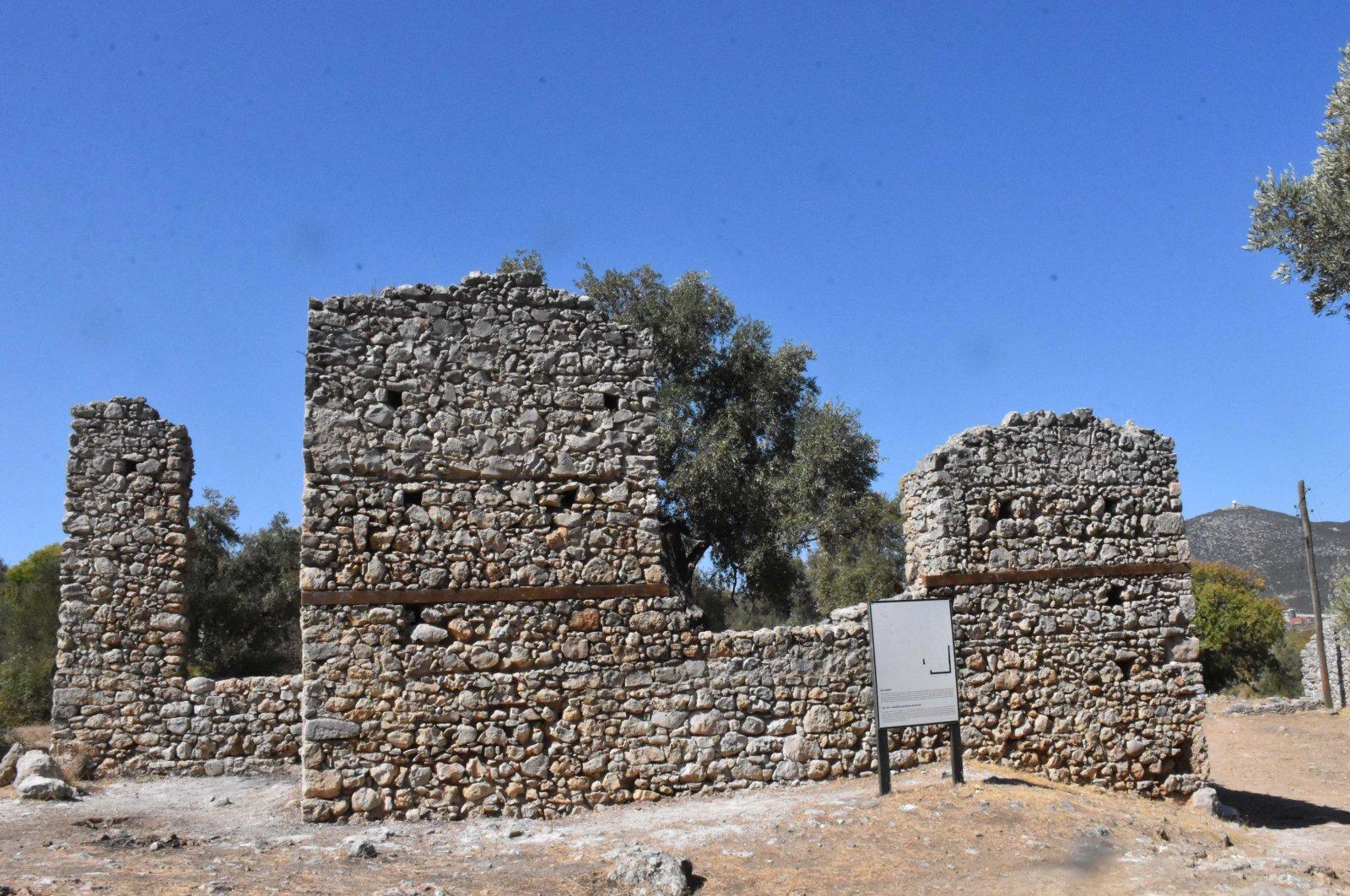A ruin in the ancient city of Beçin in Muğla, southwestern Turkey, Oct. 12, 2020. (AA PHOTO)