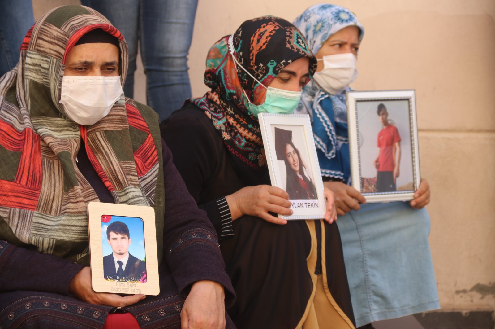 Mothers whose children have been abducted by the PKK terrorist group continue to stage their protest in front of the Peoples' Democratic Party's (HDP) headquarters in Diyabakır, Turkey, Oct. 12, 2020. (AA Photo)