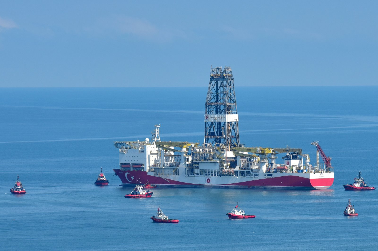 Turkish drillship Fatih is seen off northern Turkey's Trabzon, June 26, 2020. (AA Photo)