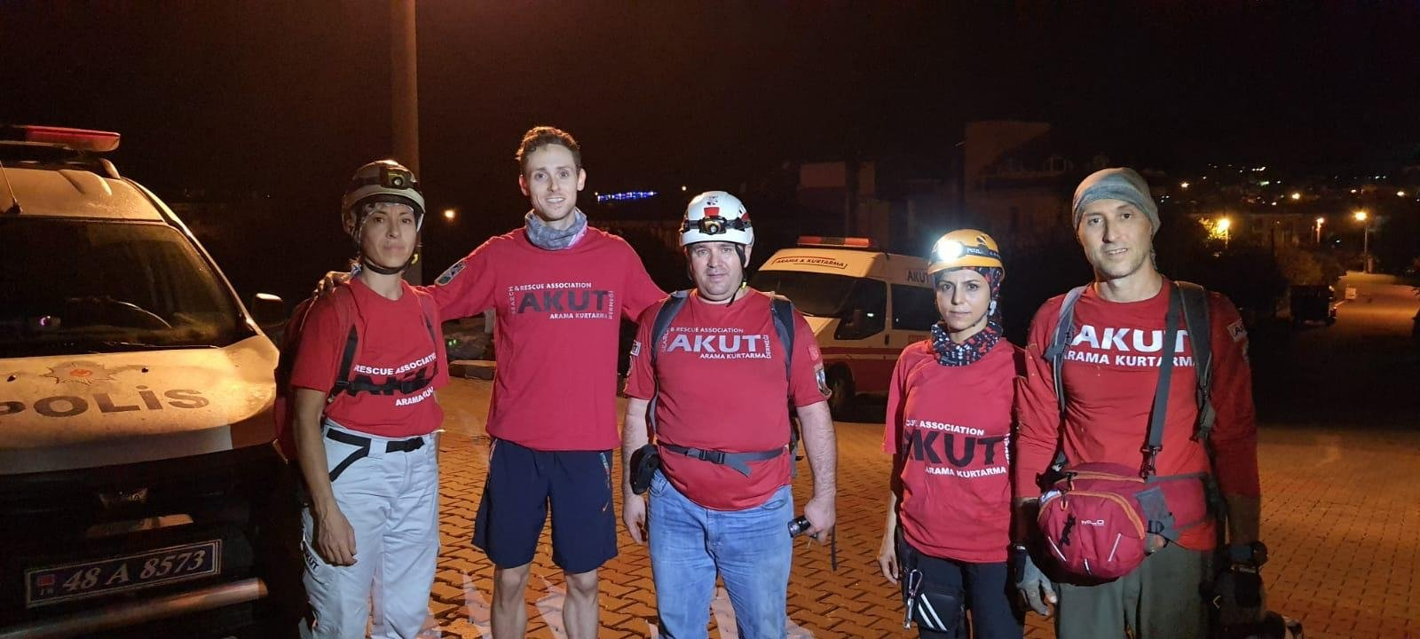 Turkish search team AKUT rescues American tourist stranded in wild