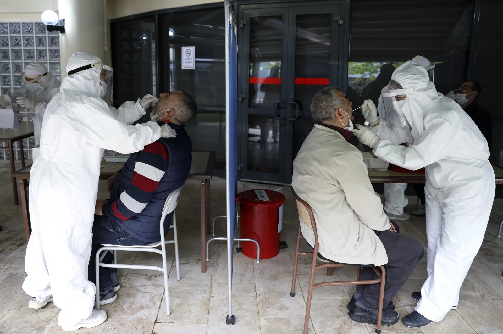 Health care workers run virus tests on residents of a nursing home in the capital Ankara, Turkey, May 9, 2020. (AA Photo)