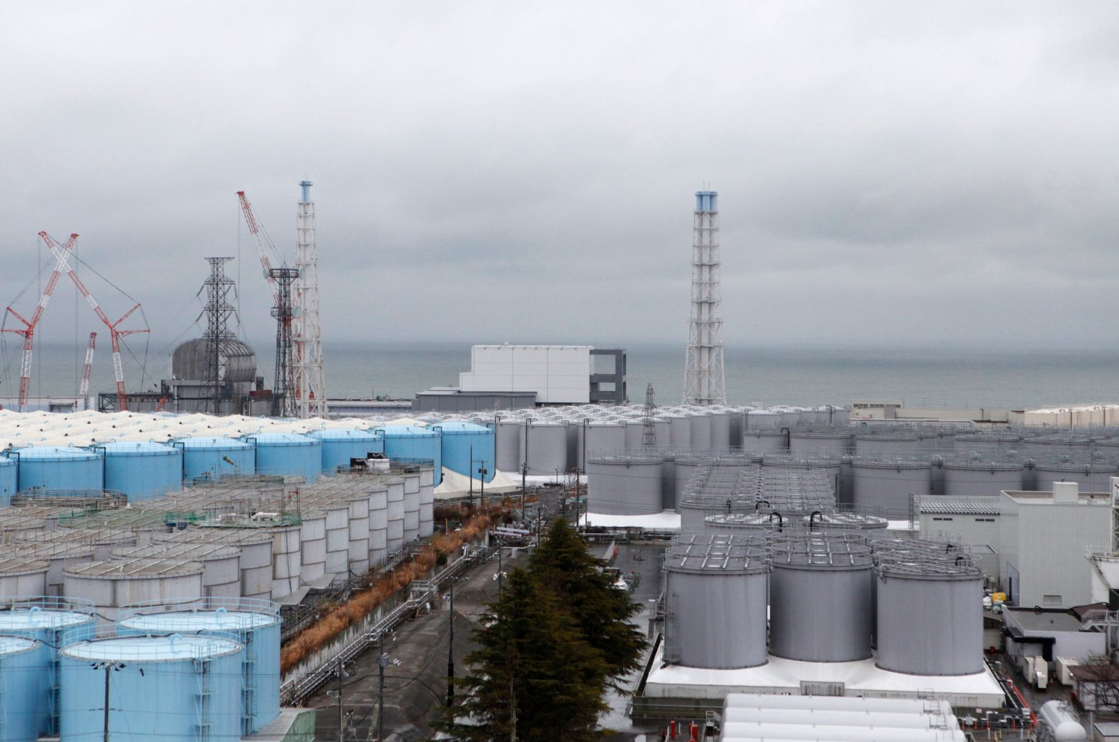 Storage tanks for radioactive water are seen at Tokyo Electric Power Company Holdings Inc.'s (TEPCO) tsunami-crippled Fukushima Daiichi nuclear power plant in the town of Okuma, Fukushima prefecture, Japan, Jan. 15, 2020. (Reuters Photo)