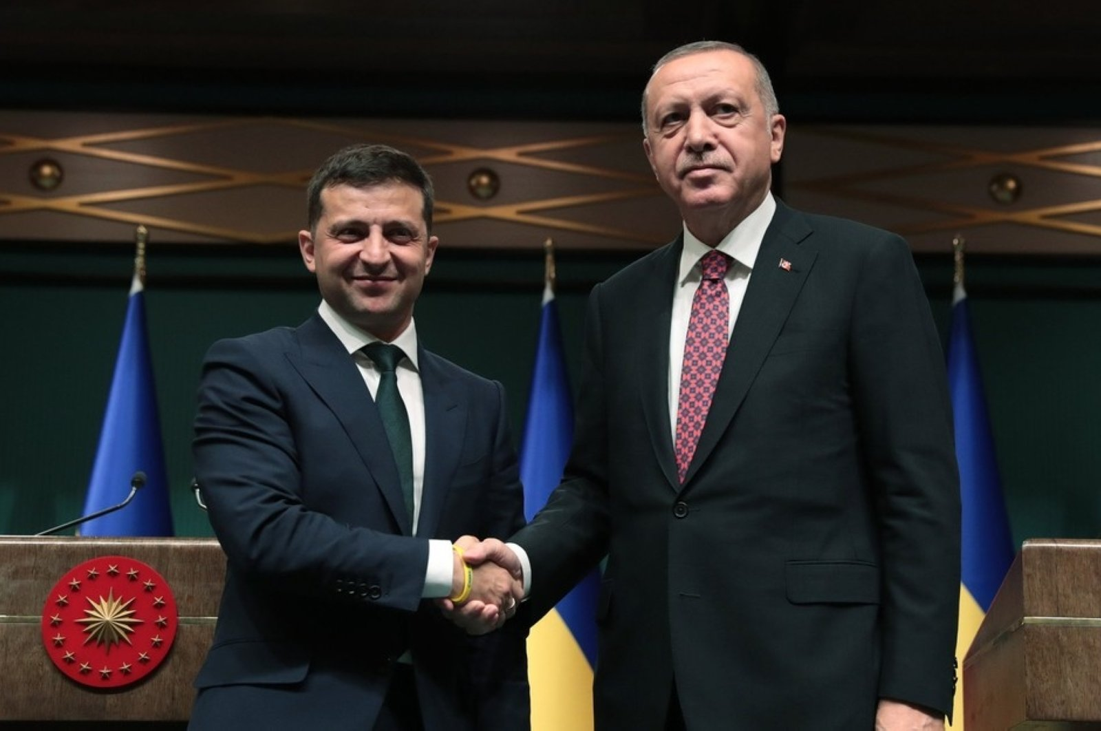 President Recep Tayyip Erdou011fan (R) and his Ukrainian counterpart Volodymyr Zelensky shake hands after joint press conference, Ankara, Aug. 7, 2019. (AA File Photo)