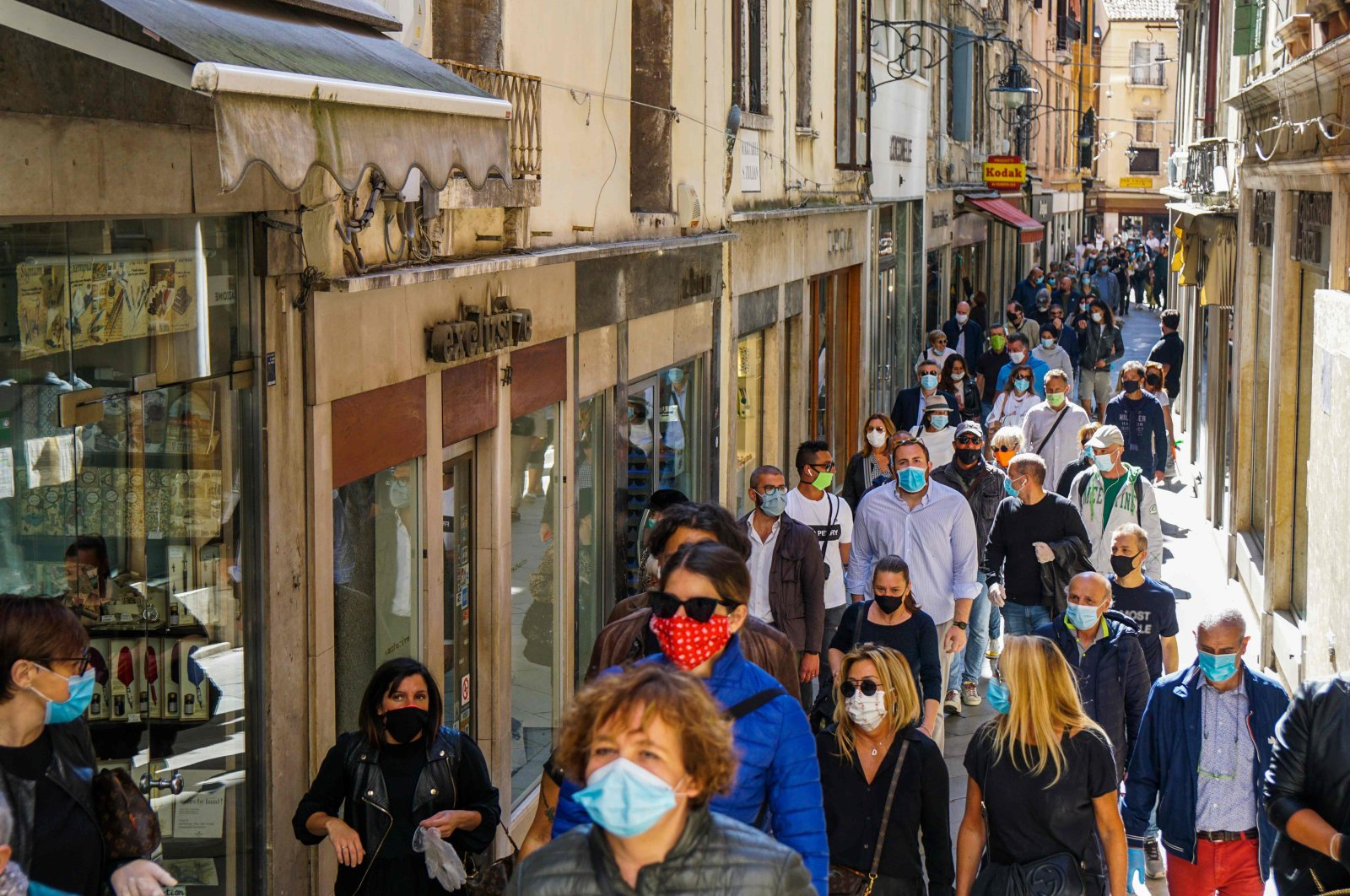 A general view in a busy street occupied by stores in Venice, Italy, May 4, 2020. (AFP Photo)