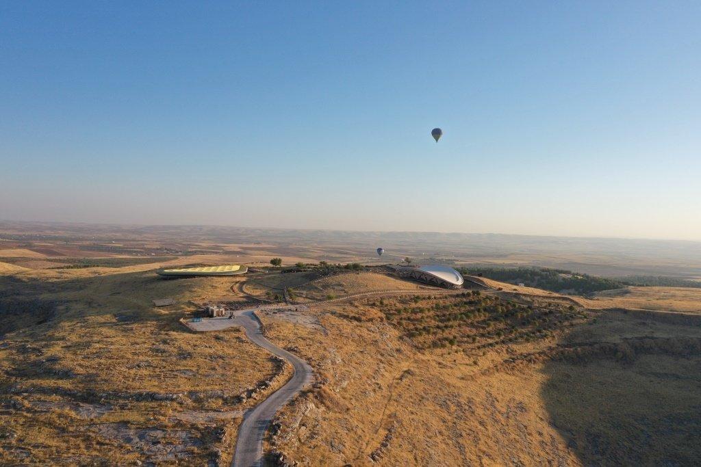 土耳其东南部Şanururf的Göbeklitepe正式开始了热气球之旅。 (AA照片)