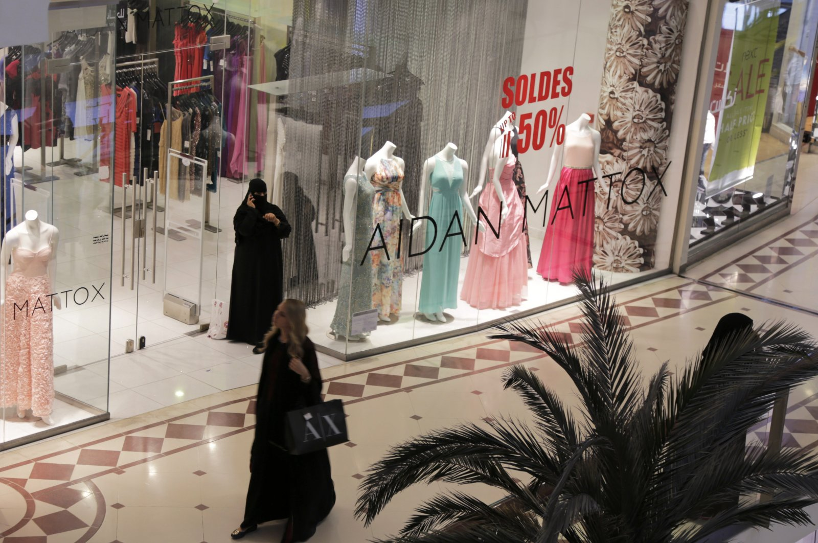 A shopper strolls through a mall in Riyadh, Saudi Arabia, April 15, 2015. (AP Photo)
