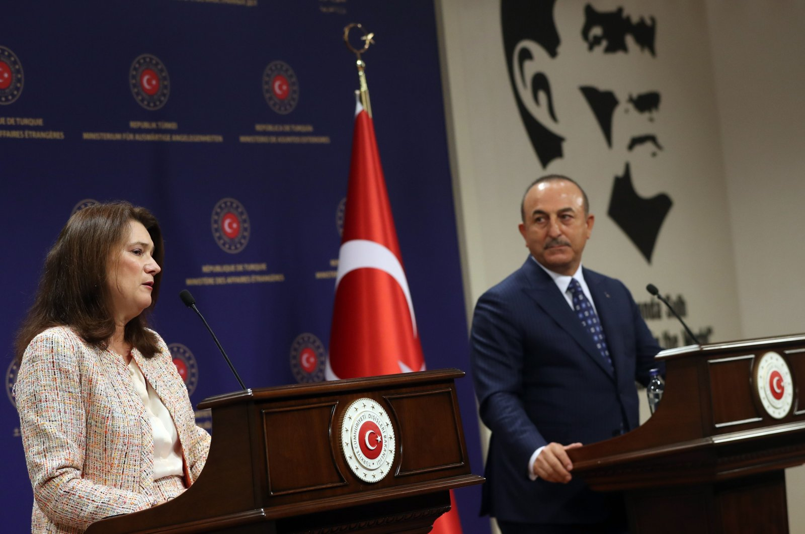Swedish Foreign Minister Ann Linde (L) and Turkish Foreign Minister Mevlüt Çavuşoğlu hold a joint press conference after their meeting at the Foreign Ministry's headquarters in Ankara, Turkey, Oct. 13, 2020. (AFP)