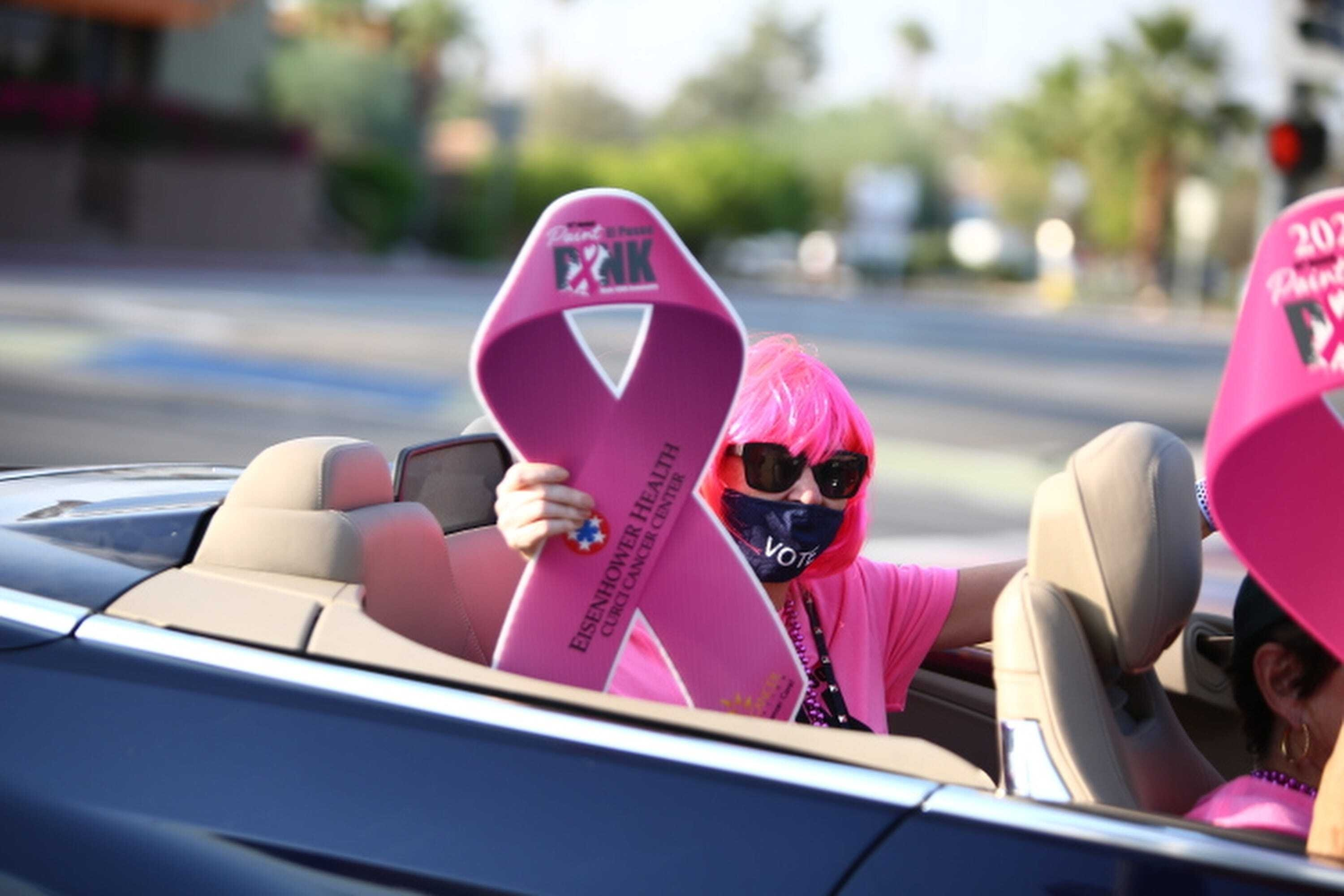 Friday Cruise Night on El Paseo, the opening event for Saturday's Paint El Paseo Pink event, took place in Palm Desert, Calif., on October 9, 2020. (REUTERS Photo)