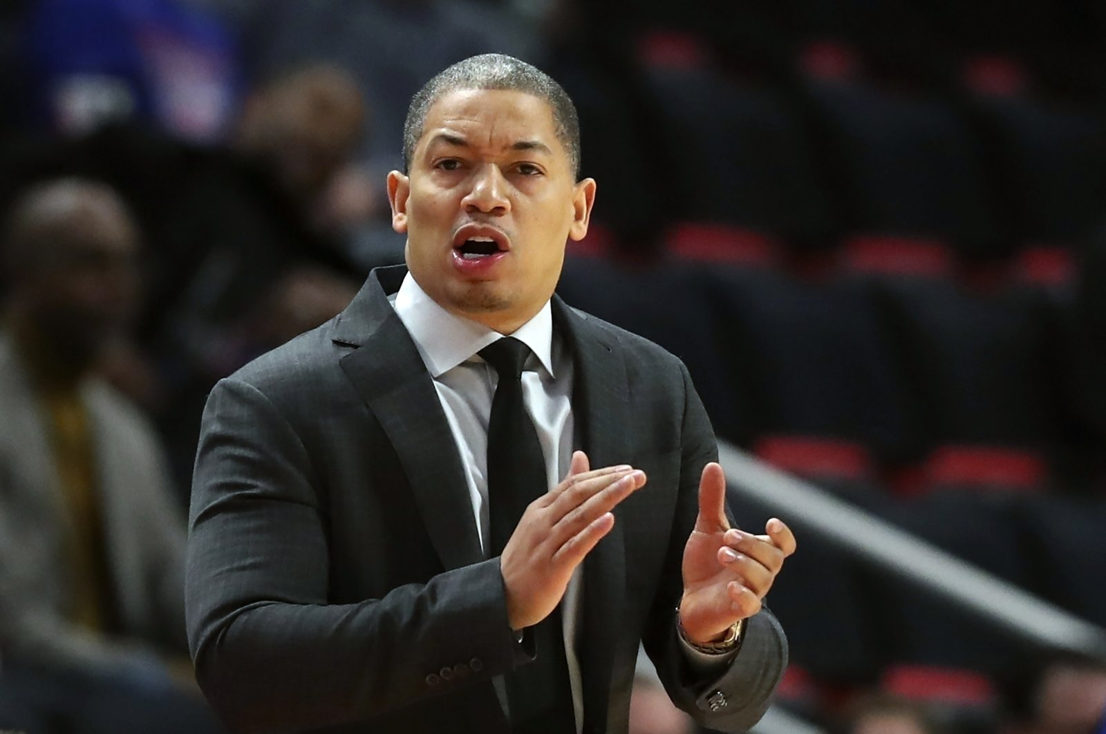Tyronn Lue gestures during an NBA match between Detroit Pistons and Cleveland Cavaliers, in Detroit, Mich., U.S., Oct. 25, 2018. (AP Photo)