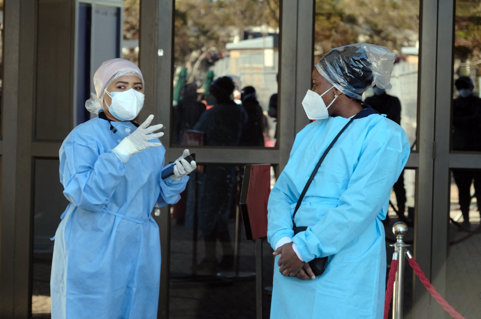 Health officials at the Nasrec quarantine in Johannesburg, South Africa, July 03, 2020. (Reuters Photo)