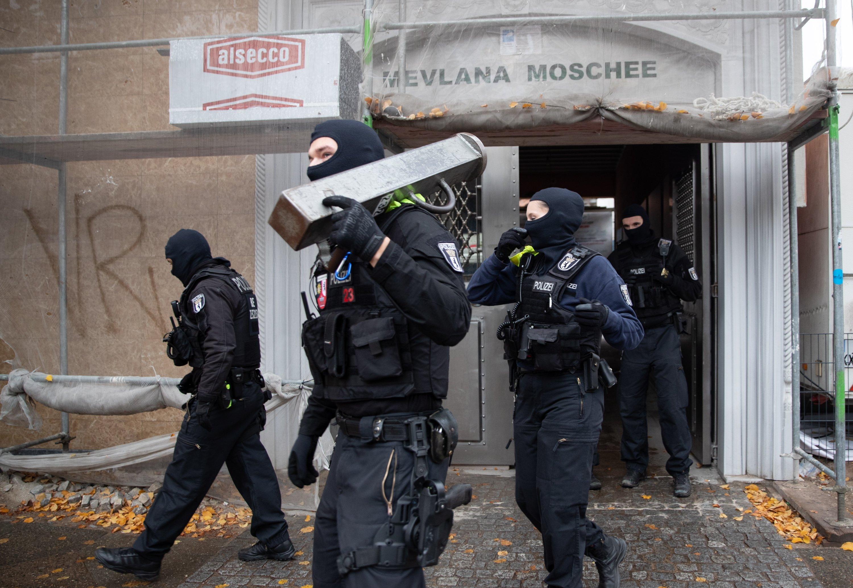 Police raid on Berlin mosque fed by racism, anti-Islam policies, Erdoğan  says | Daily Sabah