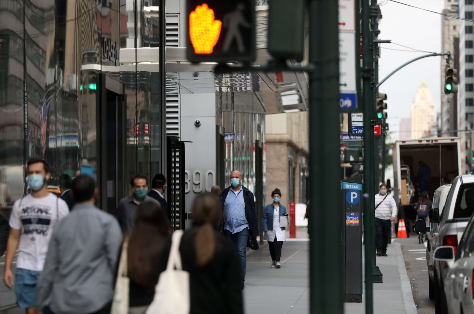 People walk through Manhattan, New York City, Oct. 21, 2020. (AFP Photo)