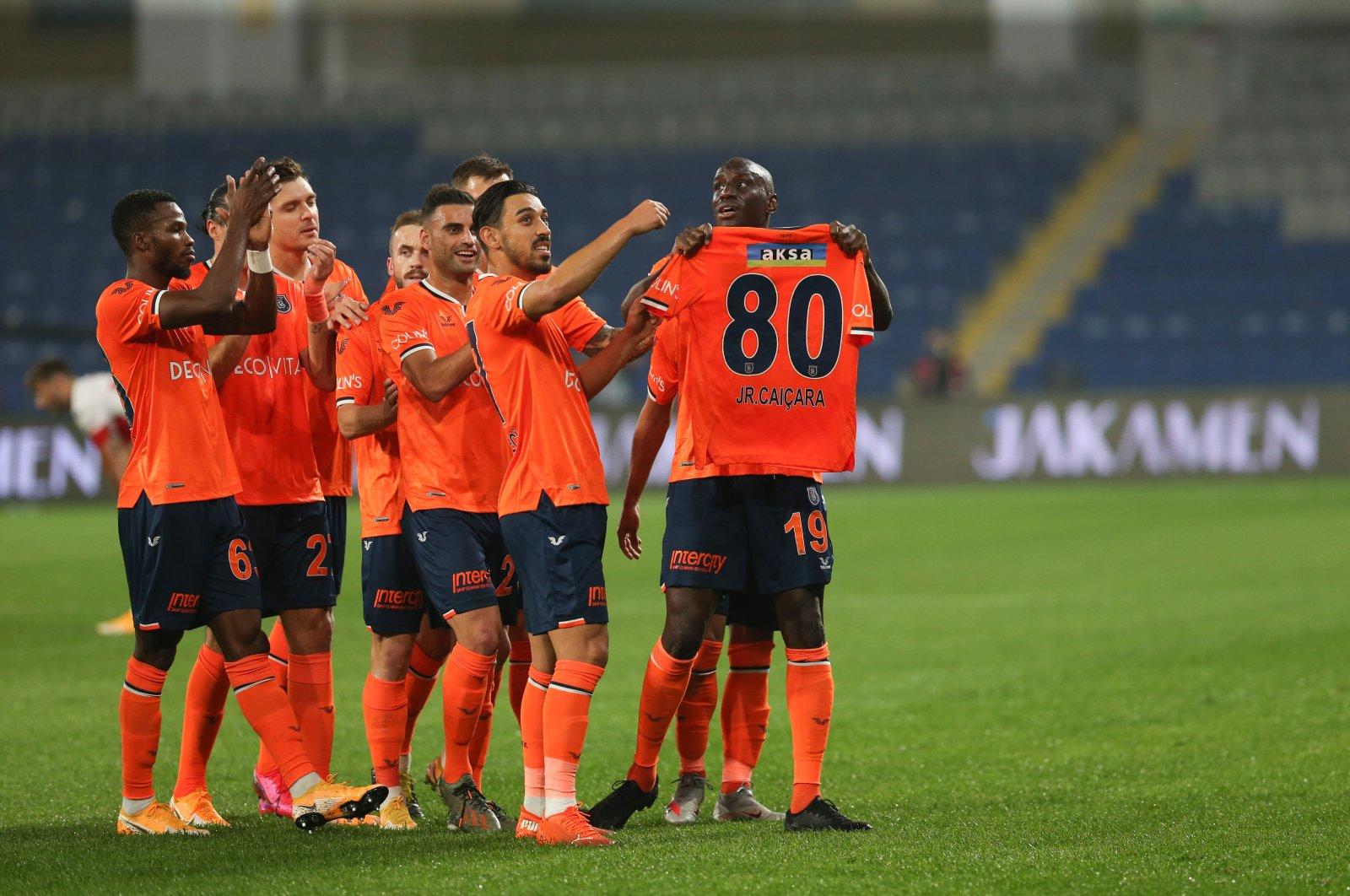 Medipol Başakşehir players dedicate their first goal to their injured teammate Junior Caiçara during the Turkish Süper Lig Week six match against Antalyaspor, at Başakşehir Fatih Terim Stadium in Istanbul, on Oct. 24, 2020. (AA Photo)