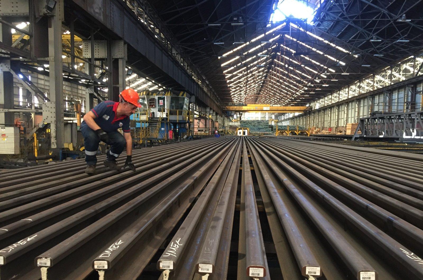 A worker at an iron and steel factory in Kardemir, Karabük, northern Turkey, Oct. 21, 2020. (IHA Photo)