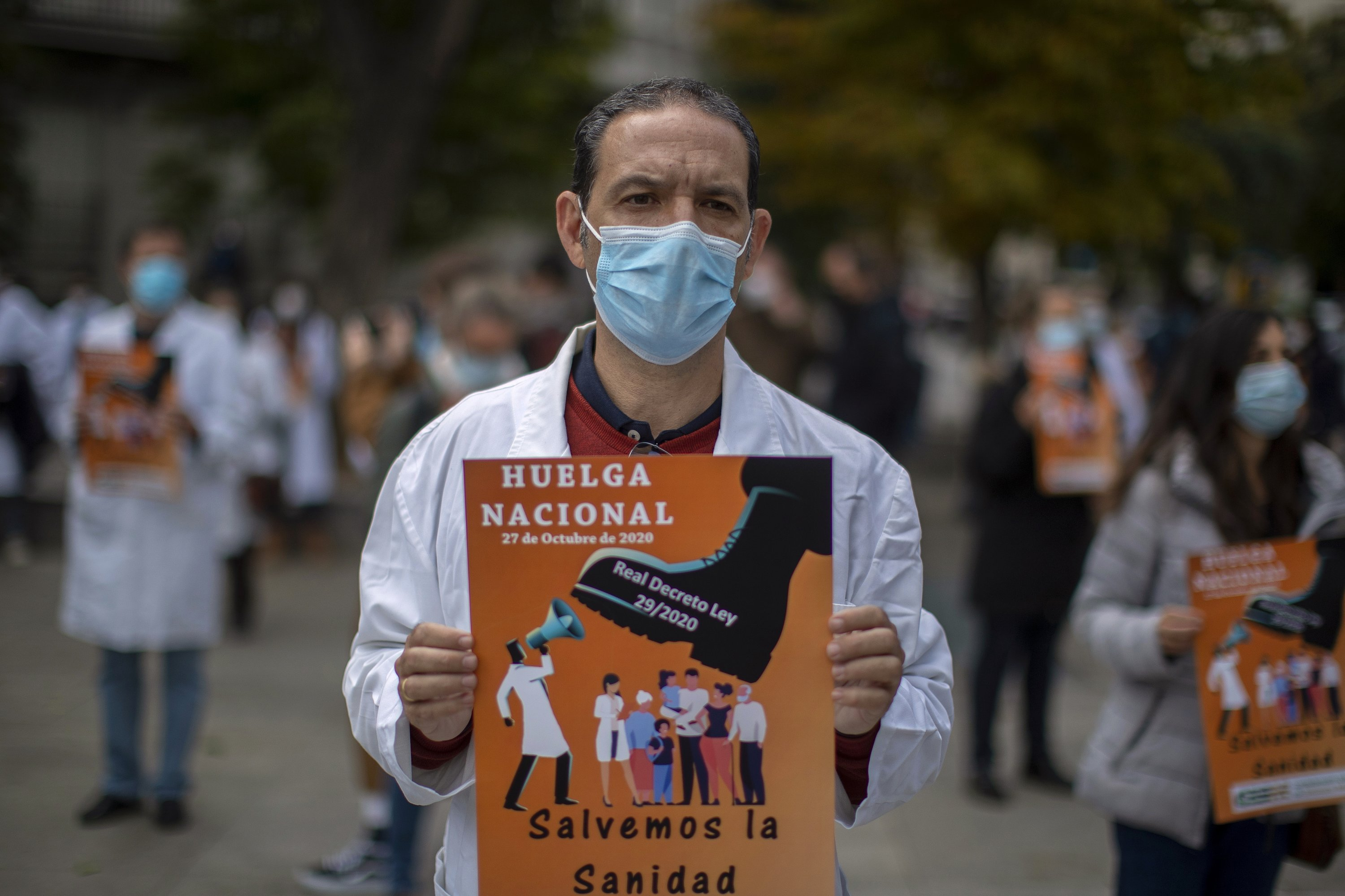 Spanish Doctors Stage First Walkout In 25 Years To Protest Government's New COVID-19 Order (zerohedge.com)