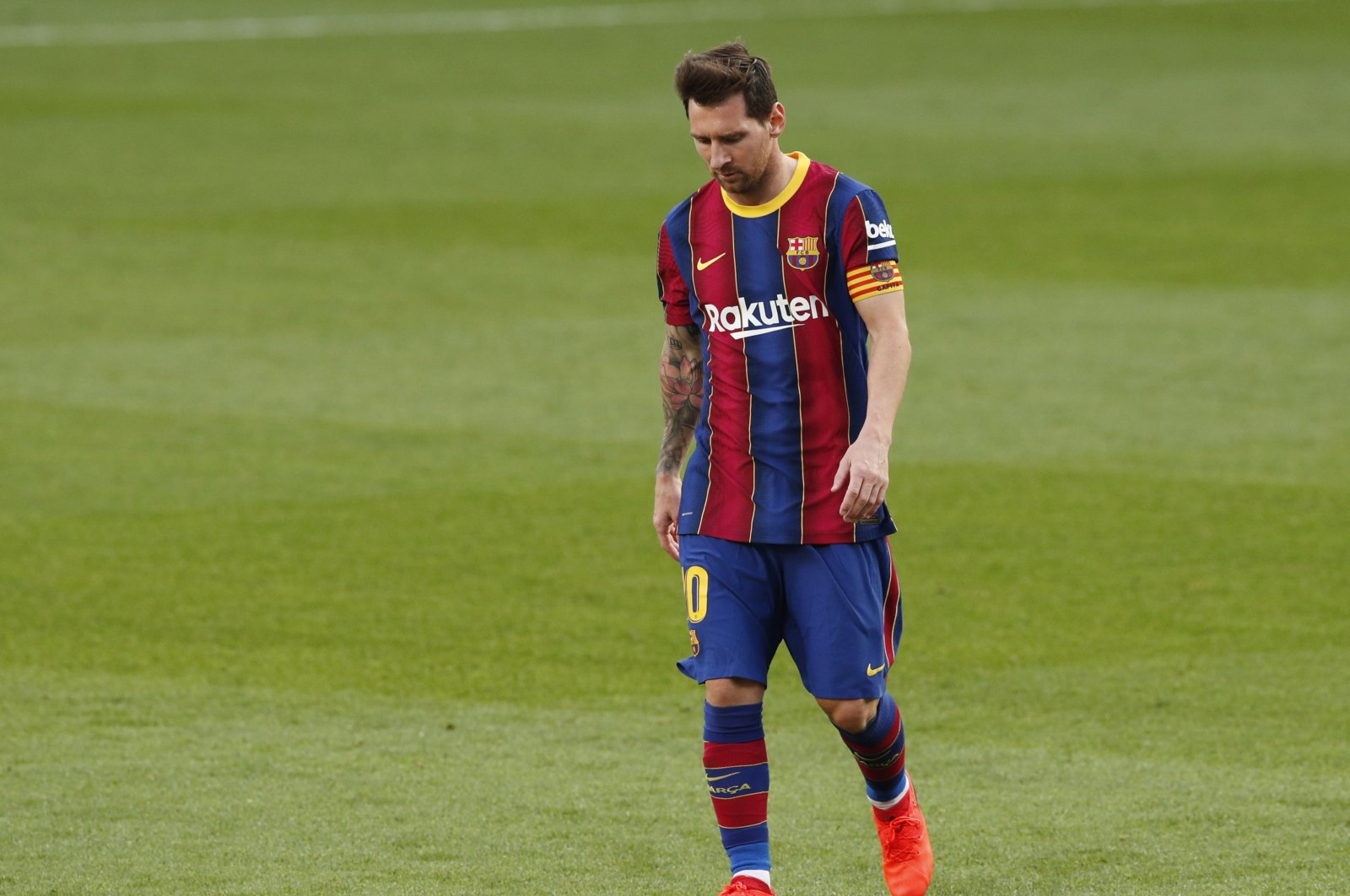 Barcelona's Lionel Messi looks dejected after the La Liga match against Real Madrid, in Barcelona, Spain, Oct. 24, 2020. (Reuters Photo)