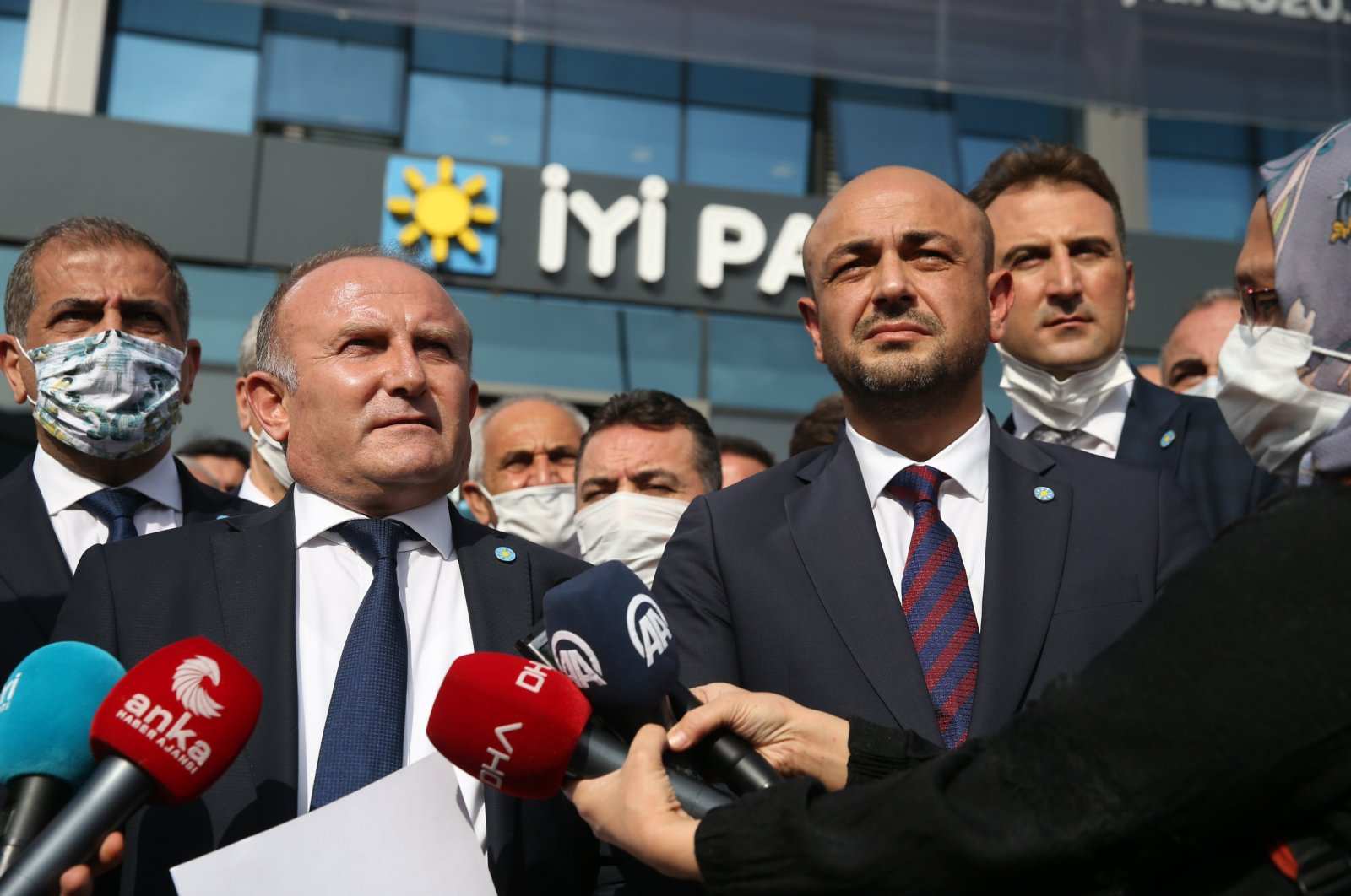 Good Party (IP) members speak to reporters in front of IP headquarters in the capital Ankara, Oct. 27, 2020 (AA Photo)
