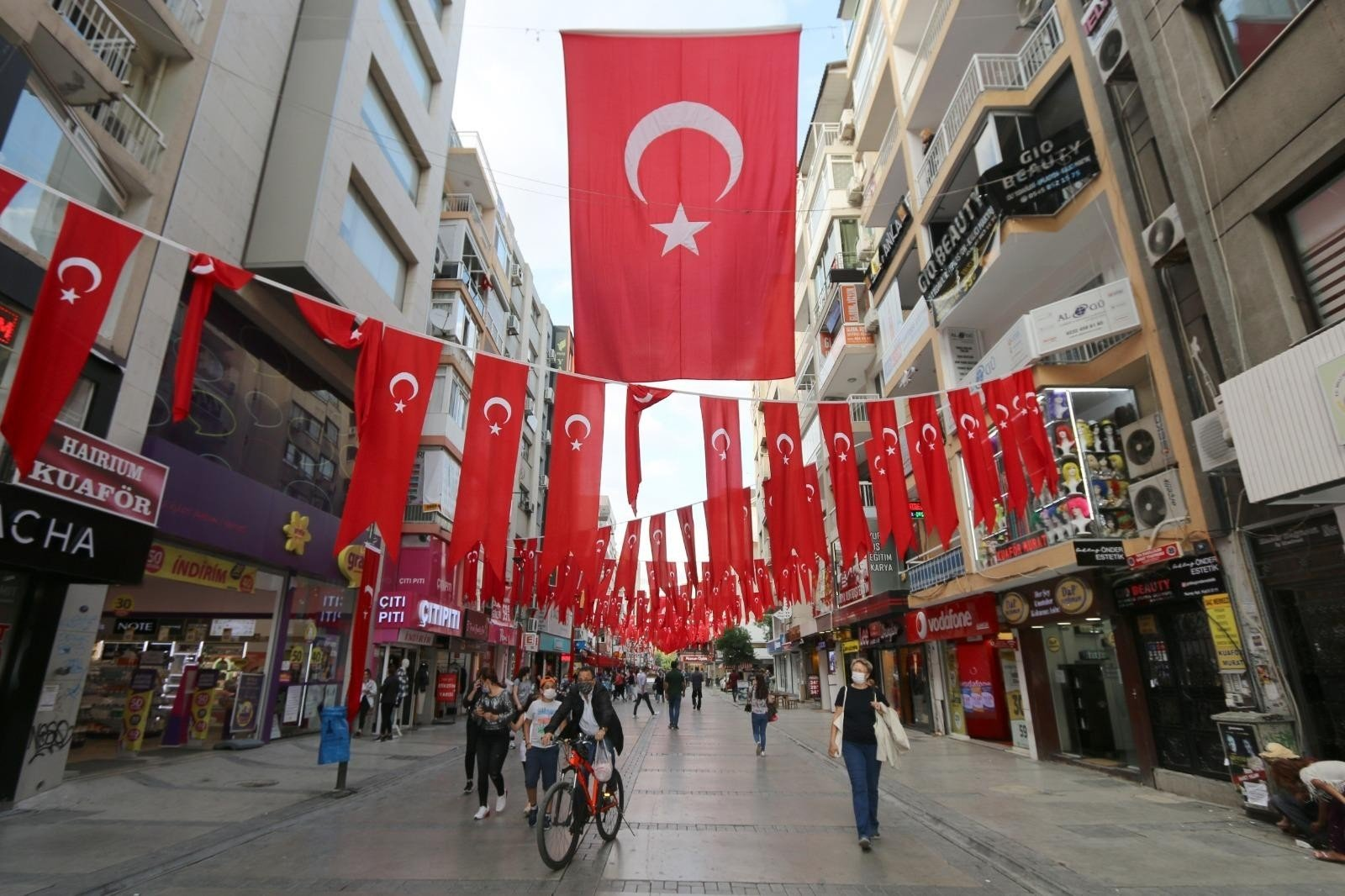 Turkish flags adorn the streets for Republic Day in Izmir, western Turkey, Oct. 28, 2020. (İHA Photo)